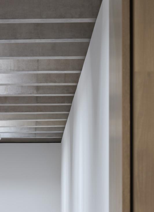 Jamie-fobert-architects-tate-st-ives-beautiful-concrete-gallery-light