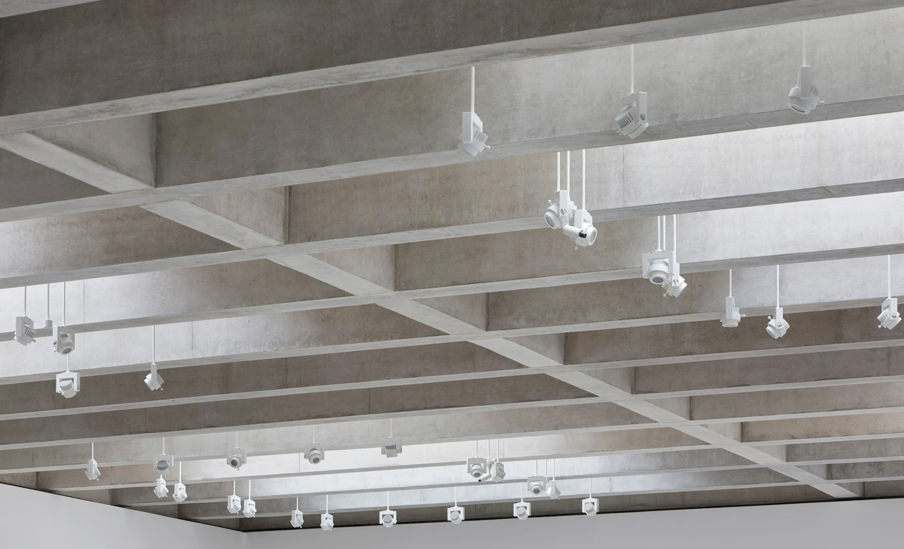 Jamie-fobert-architects-tate-st-ives-concrete-gallery-contemporary-art-hufton+crow