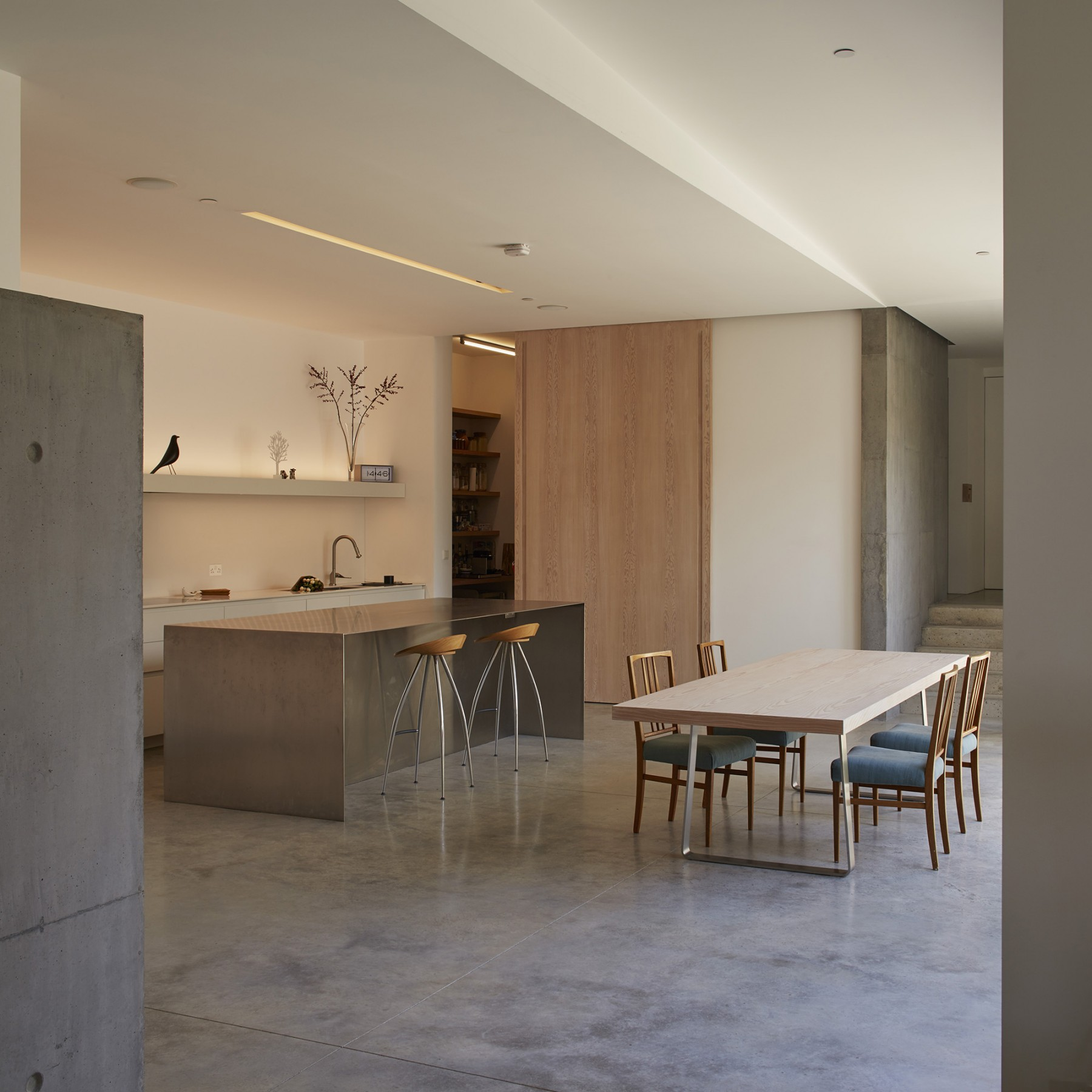 Luker-House-contemporary-modern-London-house-Barnes-Jamie-Fobert-Architects-RIBA-Award-Kitchen-Concrete (3)1
