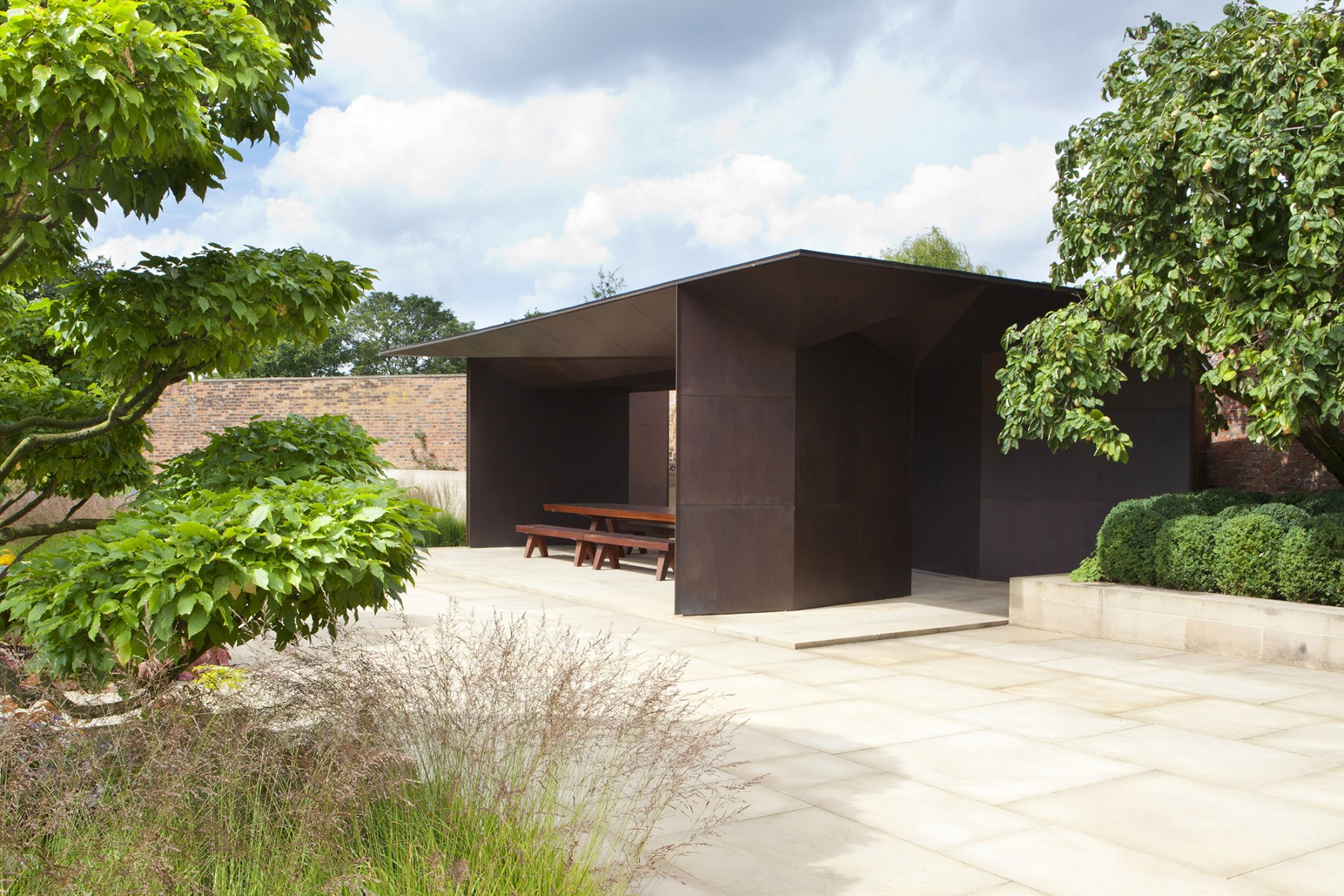 Garden-Grange-Pavilion-landscape-cheshire-cogshall-bronze-copper-room-gate-Tom-Stuart-smith-Jamie-Fobert-Architects-10