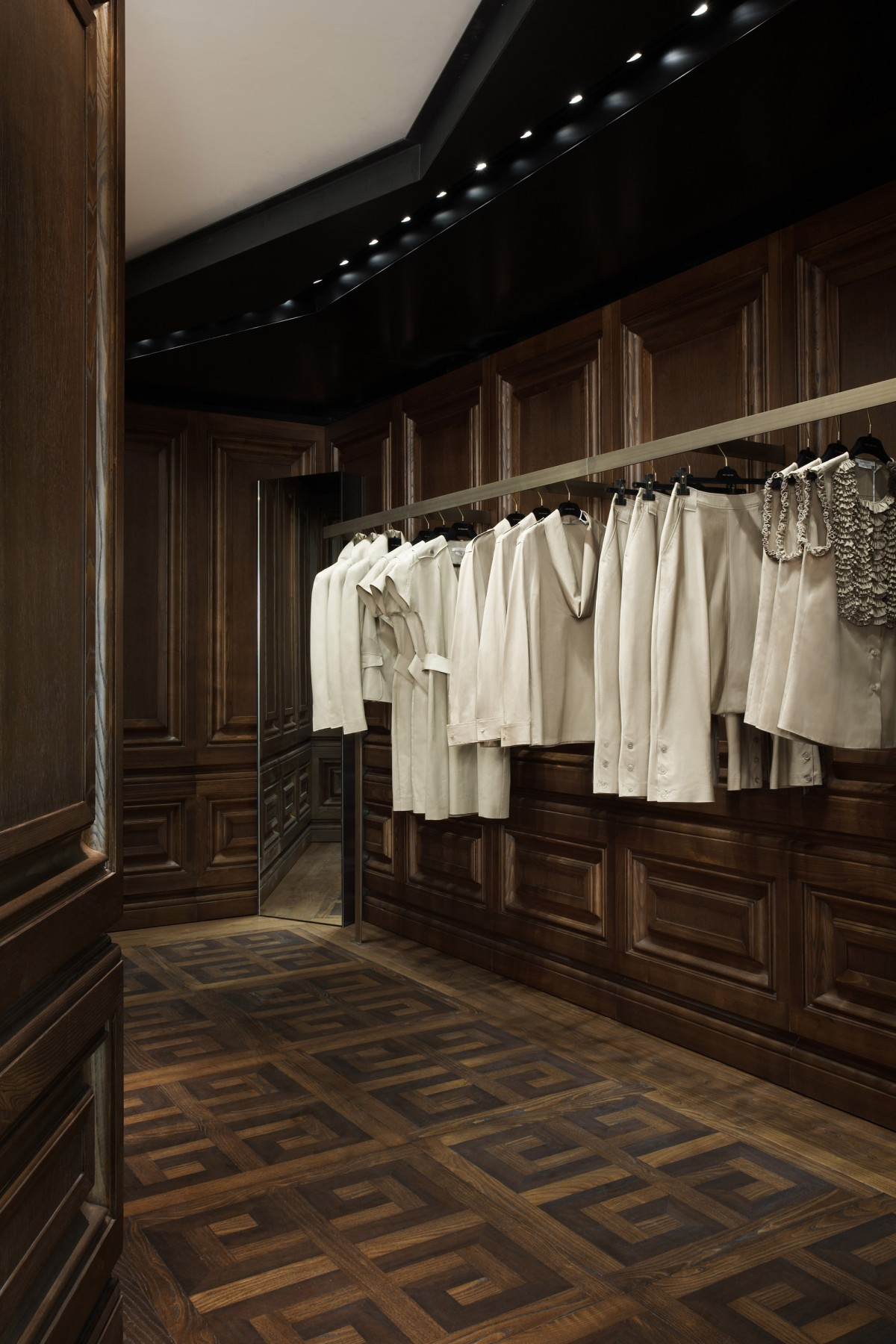 Givenchy-Paris-boutique-designer-fashion-retail-Jamie-Fobert-Architects-shop-8