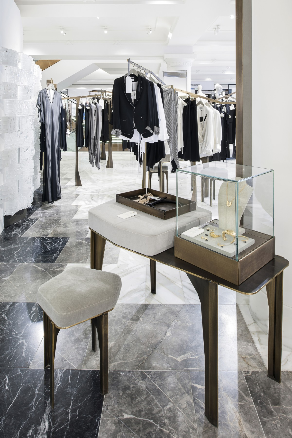 Selfridges-London-designer-fashion-retail-Jamie-Fobert-Architects-shop-marble-floor-womenswear-ret
