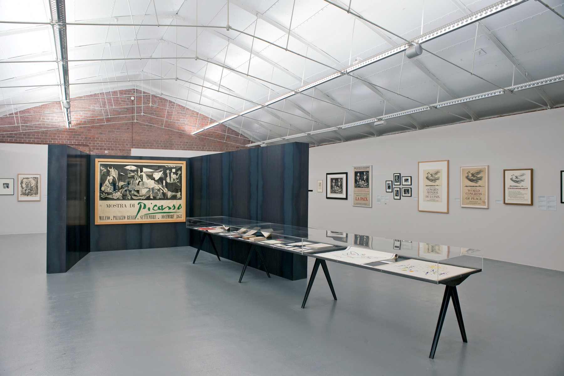 Picasso-Peace-and-Freedom-Tate-Liverpool-design-steel-exhibition-art-Jamie-Fobert-Architects-2