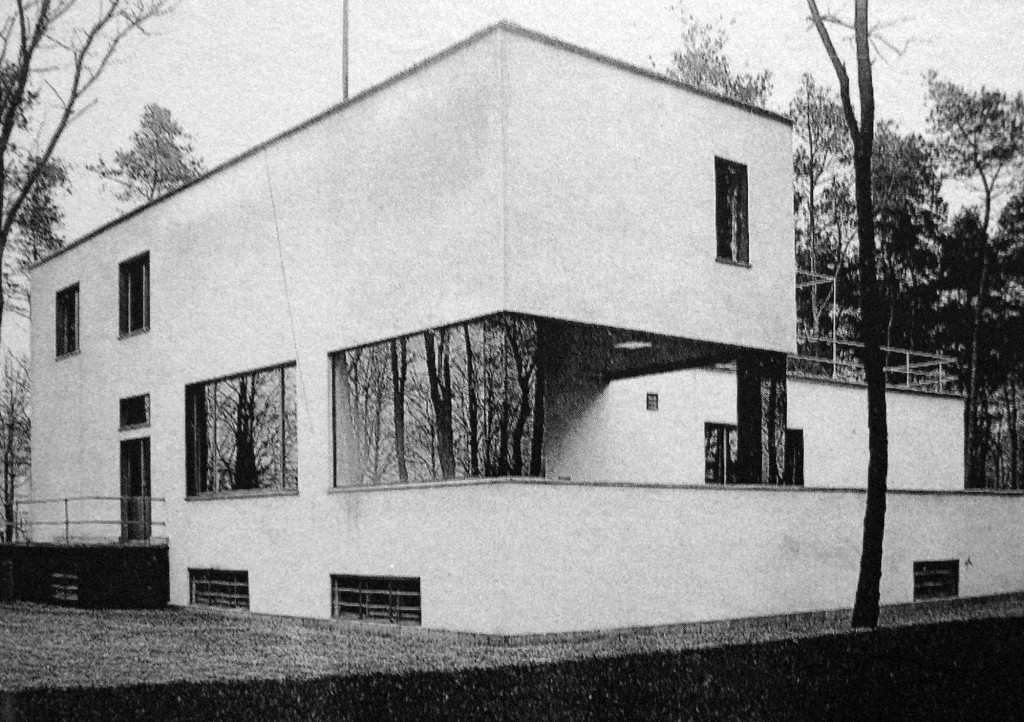 House gropius master 39 s house complex jamie fobert for Master house