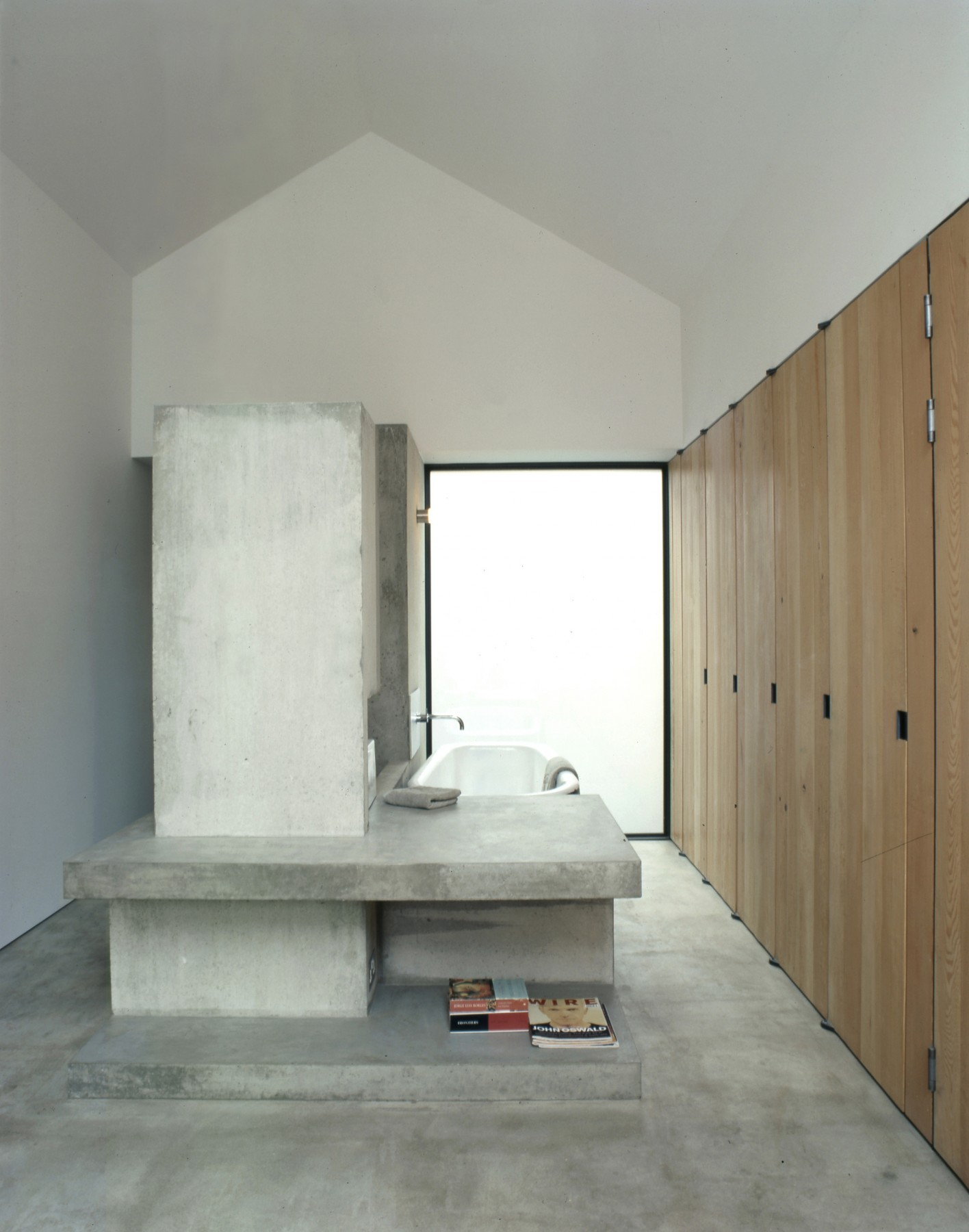 Anderson-House-contemporary-modern-London-residential-home-Jamie-Fobert-Architects-bathroom-concrete 2