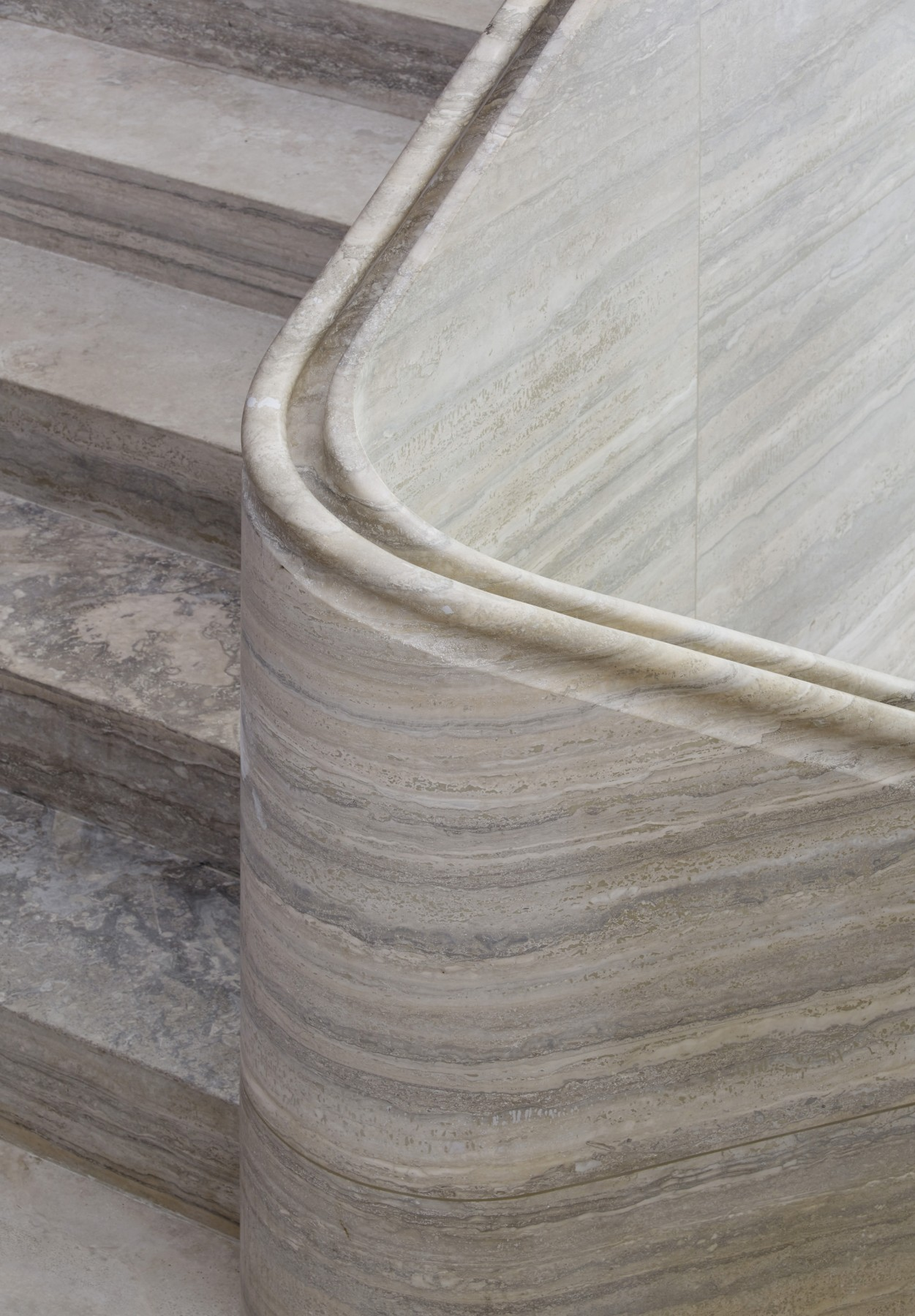 Jamie-Fobert-Architects- Travertine-stair-central-London-duplex-luxury-apartment- handrail-detail