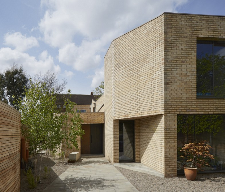 Luker-House-contemporary-modern-London-house-Barnes-Jamie-Fobert-Architects-RIBA-Award-Kitchen-Brick-External