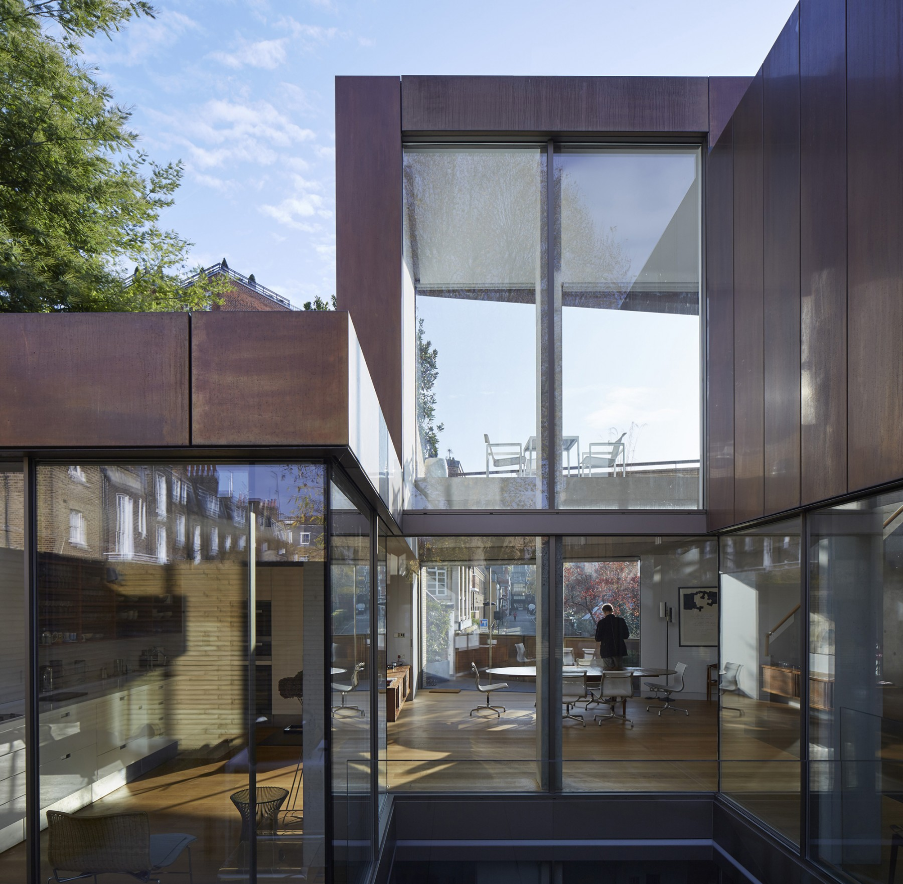 Levering-House-contemporary-modern-London-residential-home-Jamie-Fobert-Architects-Doughty-Mews-exterior