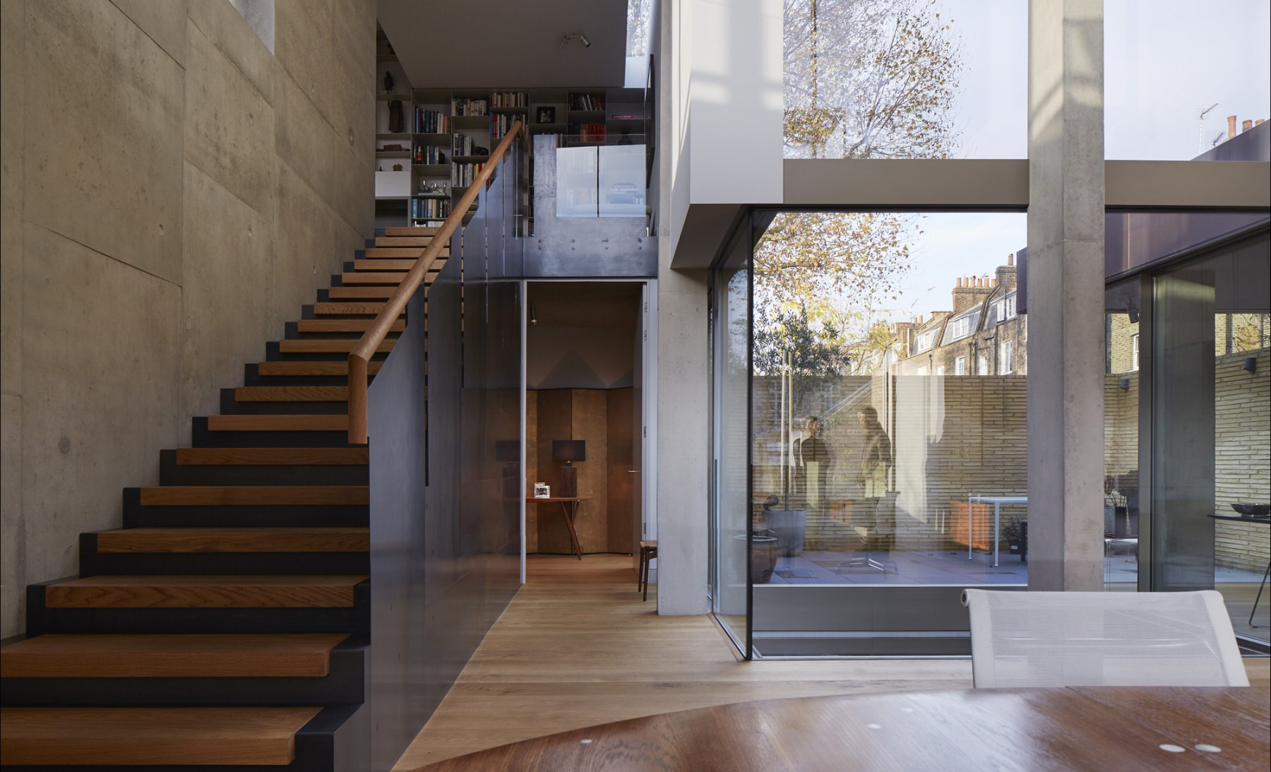 Levring-House-Jamie-Fobert-Architects-RIBA-National-Award-Manser-Medal-residential-London-house-Doughty-Mews-interior
