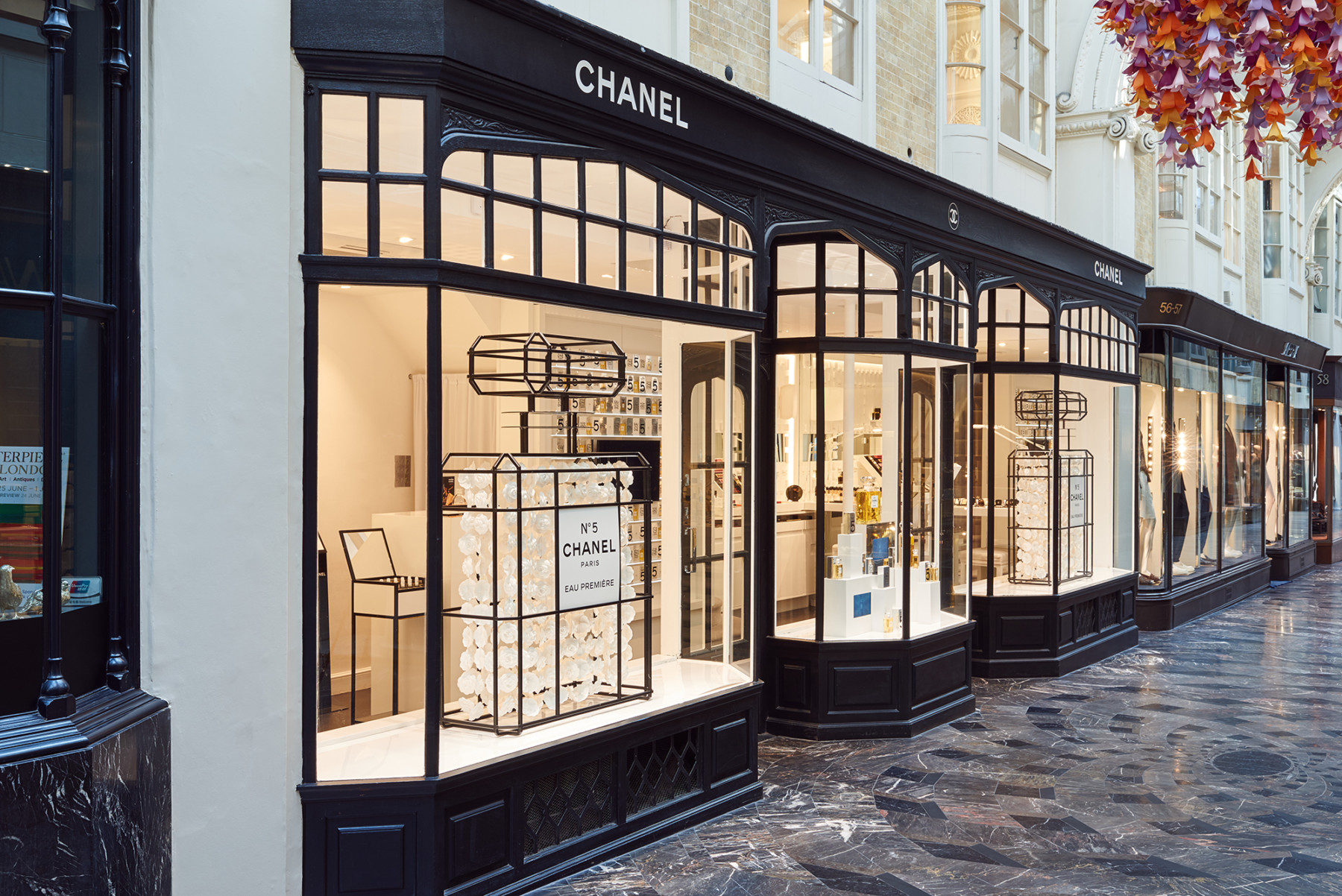 Burlington-Arcade-Piccadilly-London-Royal-Academy-Jamie-Fobert-Architects--British-stone-floor-marble-mosaic-shop-front