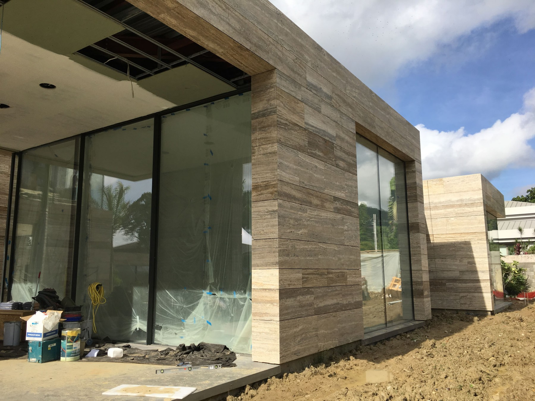 Family-house-port-of-spain-trinidad-jamie-fobert-architects-travertine-construction