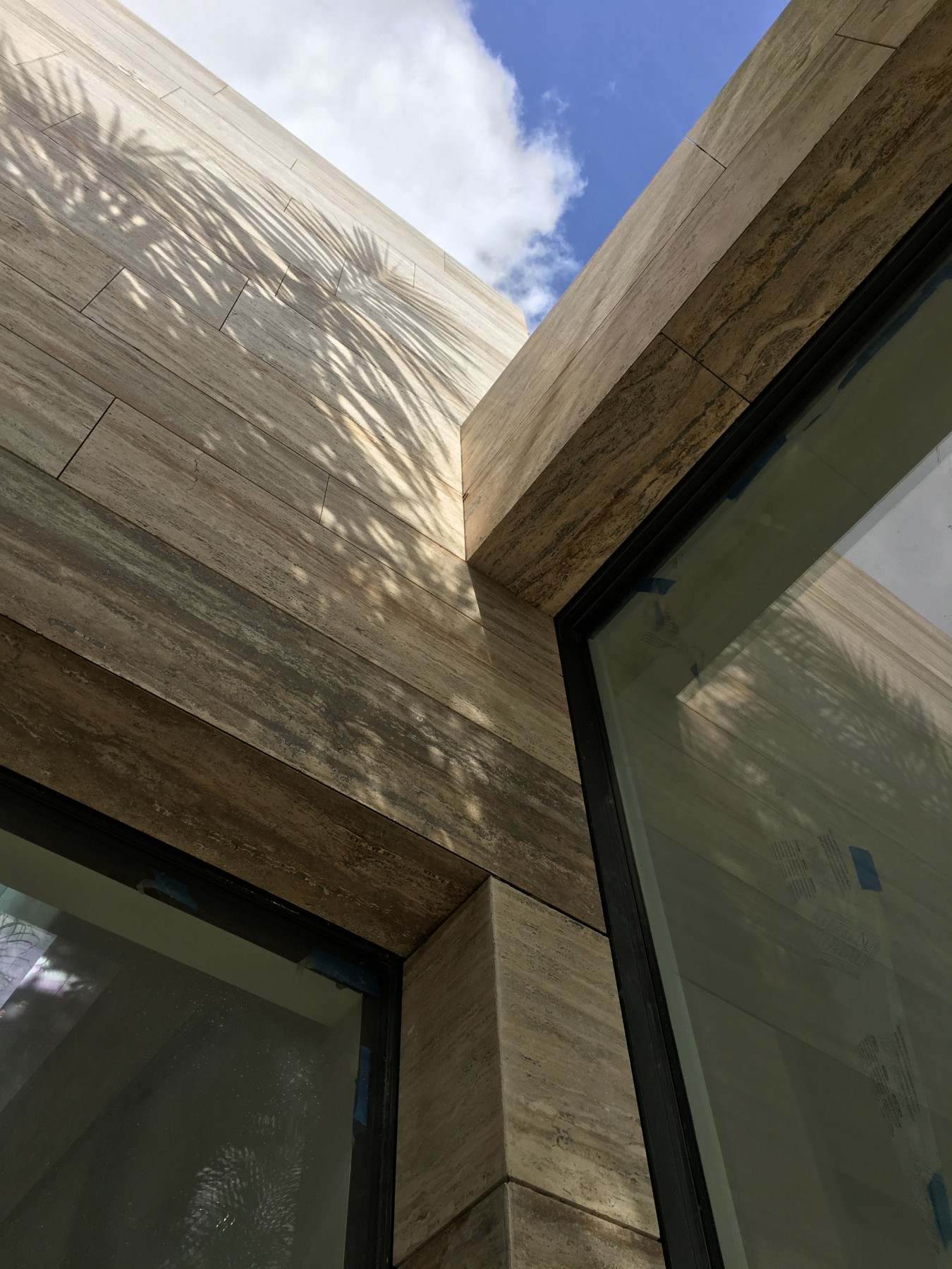 Family-house-port-of-spain-trinidad-jamie-fobert-architects-travertine-construction-detail