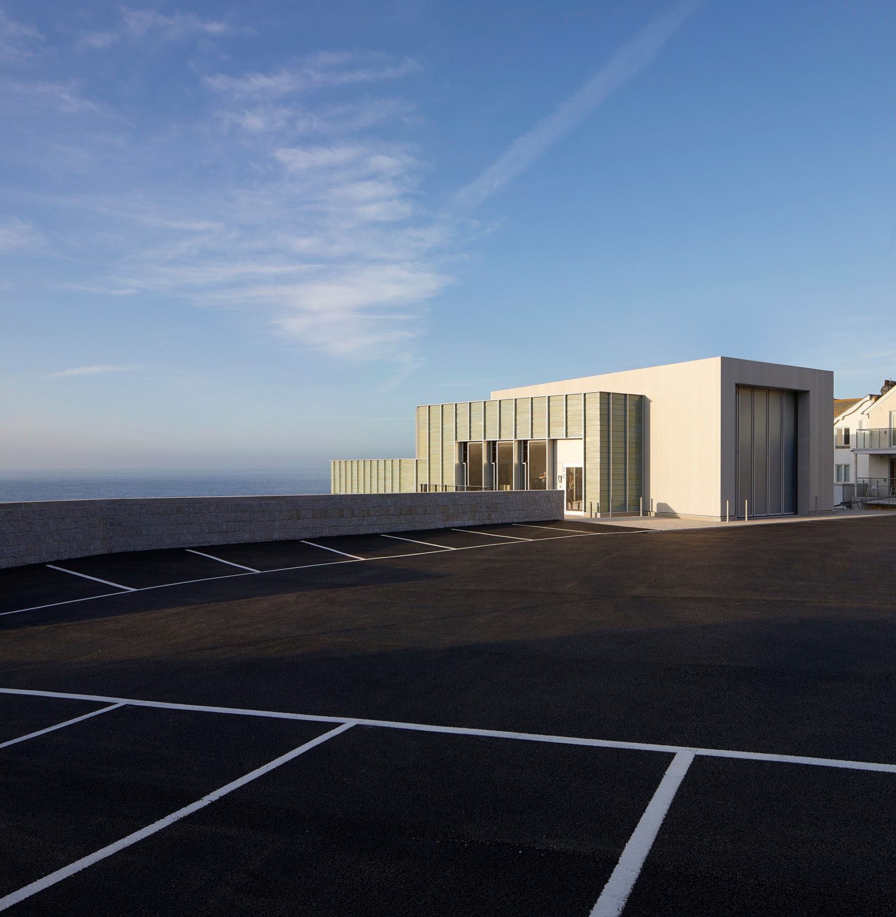 Jamie-fobert-architects-tate-st-ives-hufton-and-crow-ceramic-pavilion-barnoon-car-park