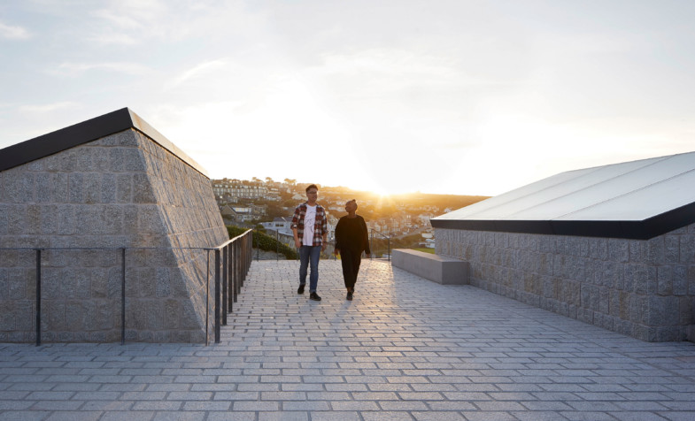 Jamie-fobert-architects-tate-st-ives-ceramic-leech-beach-cornwall-sky-Hufton+Crow sunset