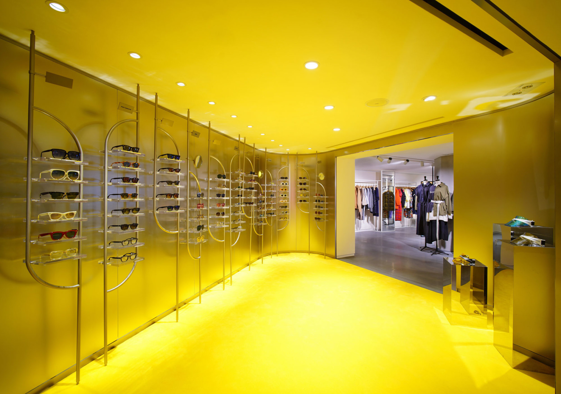 IT-HysanOne-HongKong-fashion-retail-luxury-department-store-shopping-design-concept-Jamie-Fobert-Architects-Accessories-Poche