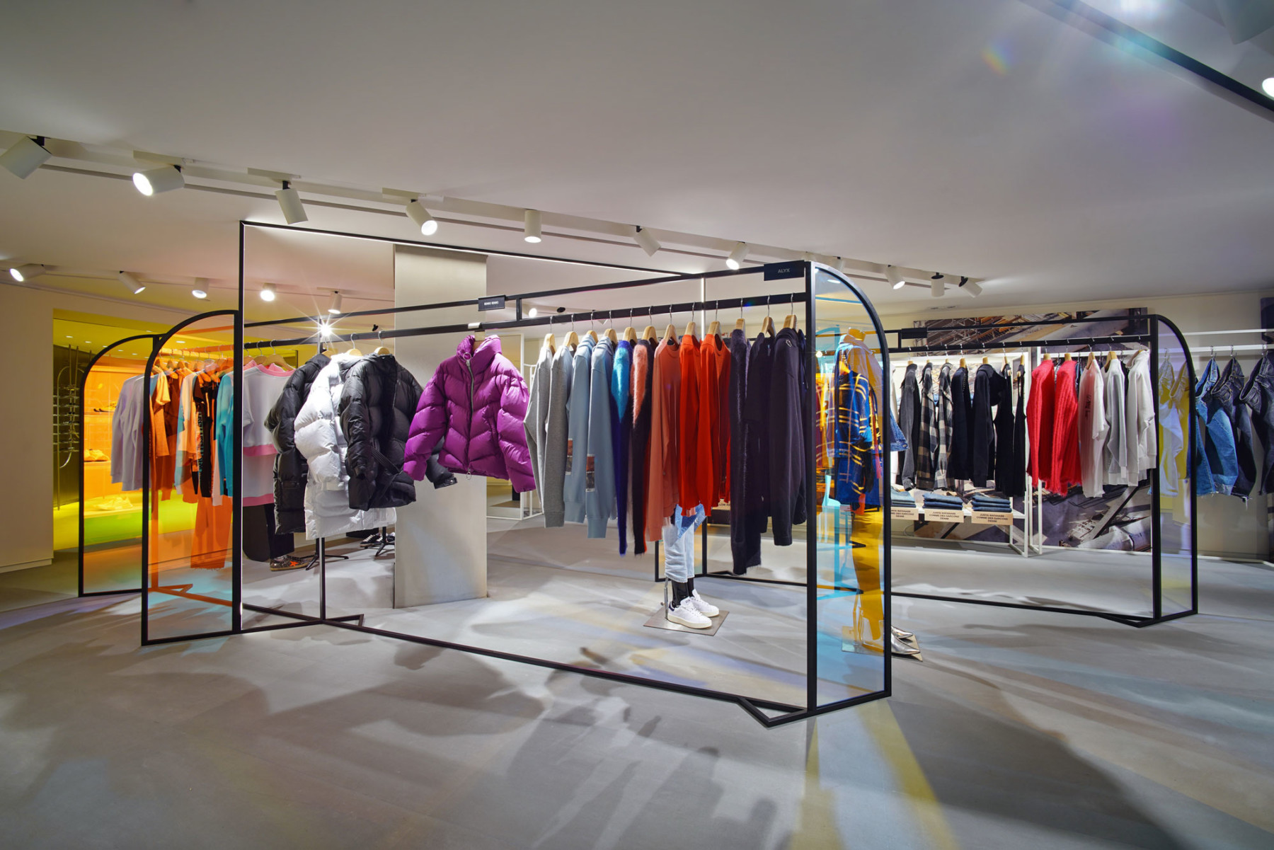 IT-HysanOne-HongKong-fashion-retail-luxury-department-store-shopping-design-concept-Jamie-Fobert-Architects-Gallery-3