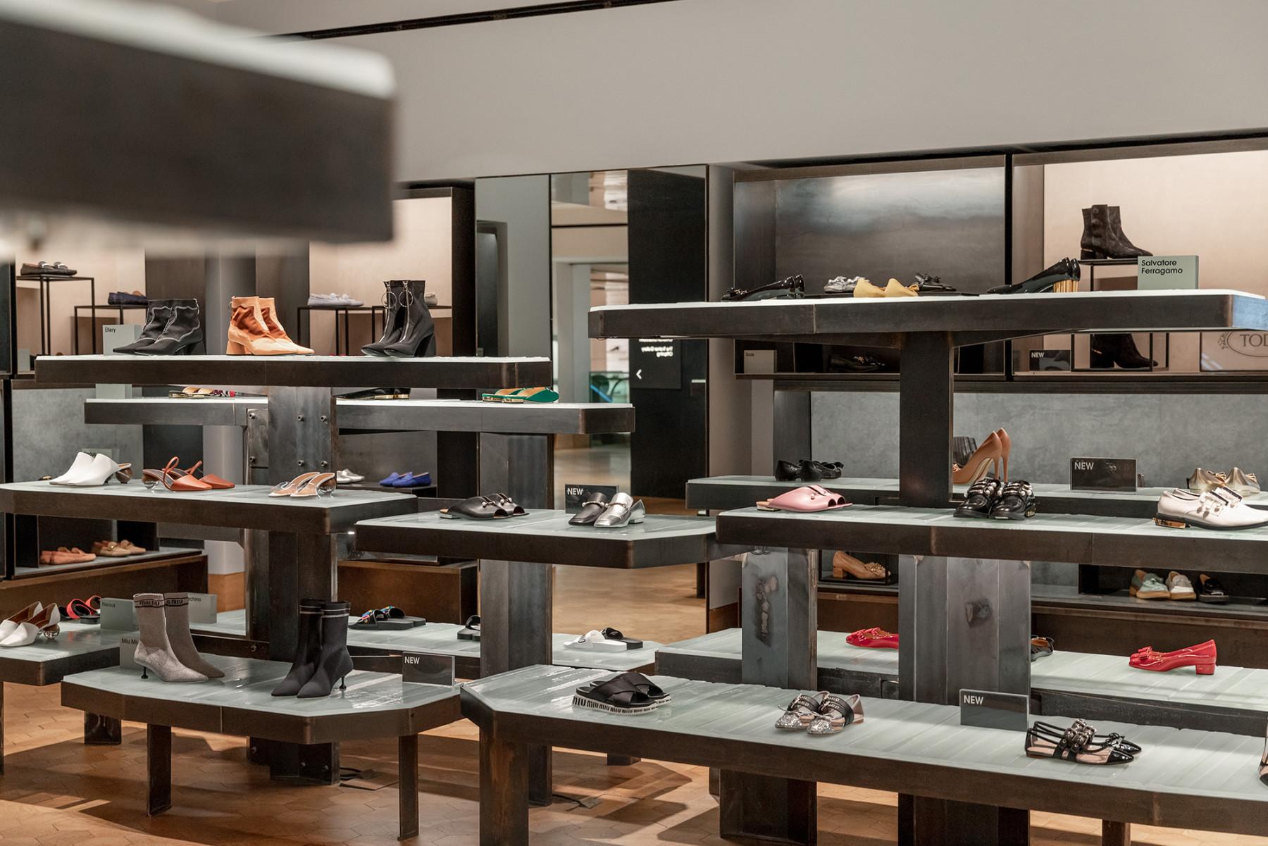 jamie-fobert-architects-selfridges-shoe-galleries-luxury-retail-concept-gallery-design-olivier-hess-photos-(1)