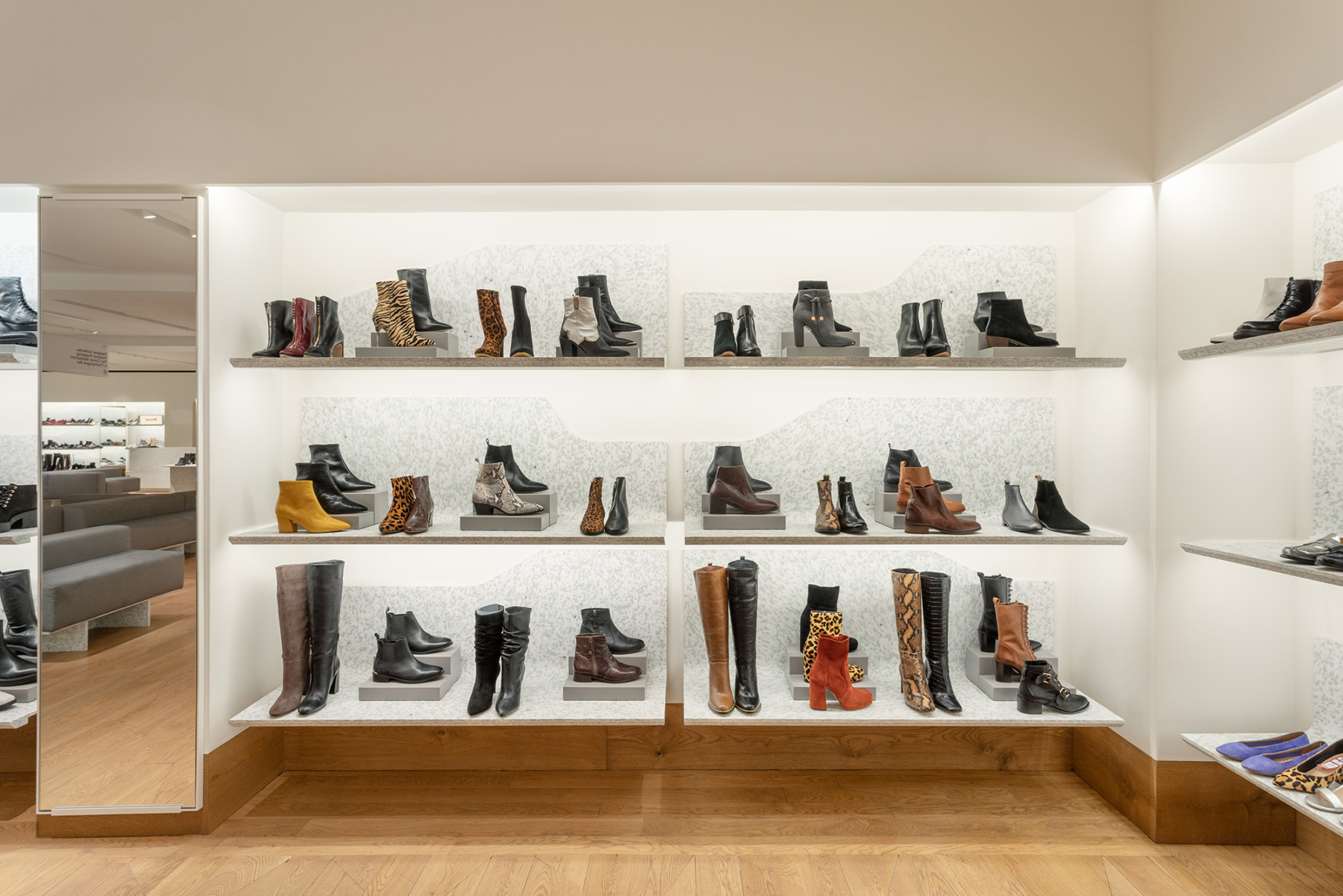 jamie-fobert-architects-selfridges-shoe-galleries-luxury-retail-concept-gallery-design-olivier-hess-photos-(3)