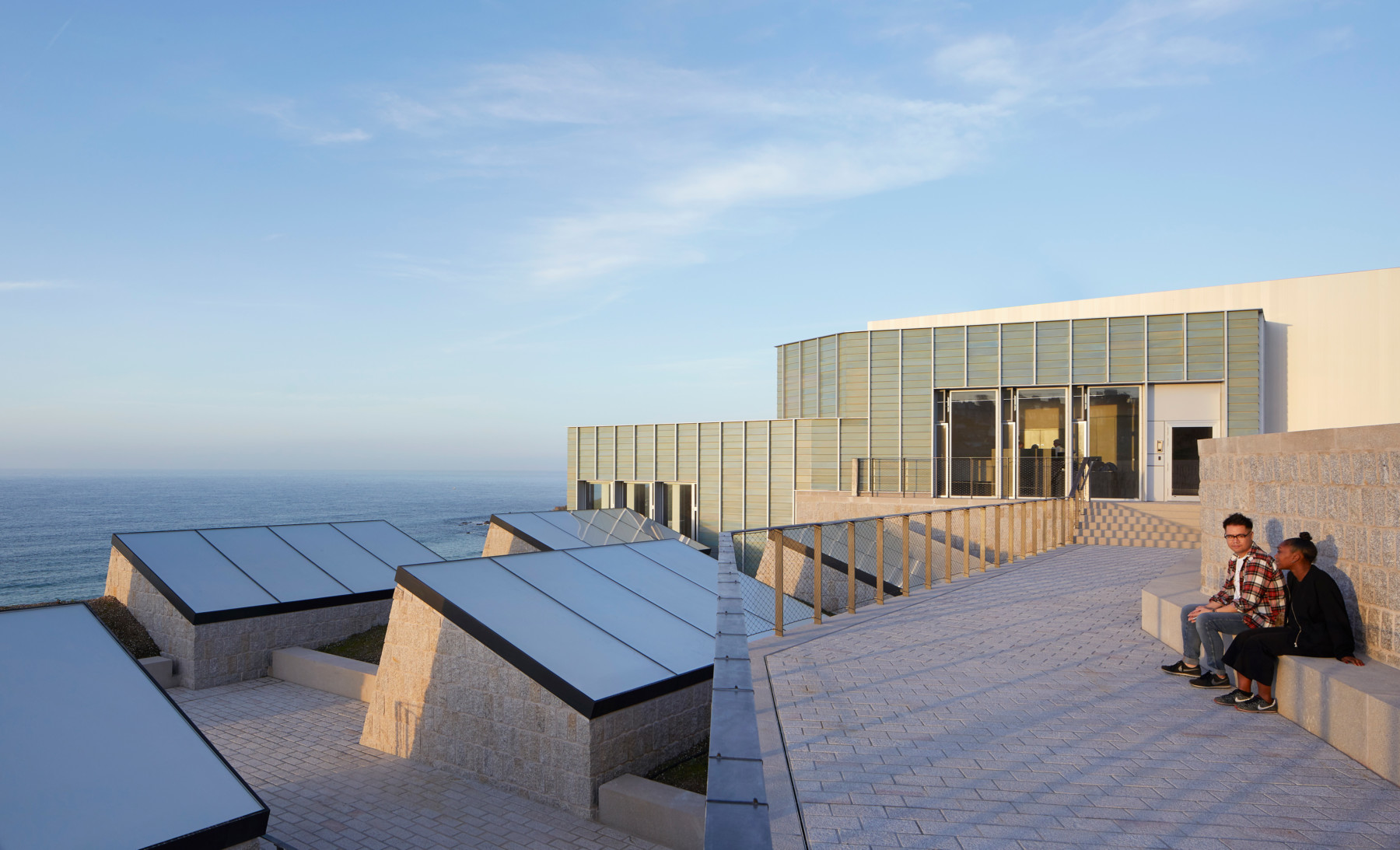 Jamie-Fobert-Architects Tate-St-Ives Cornwall Hufton+Crow beach-terrace
