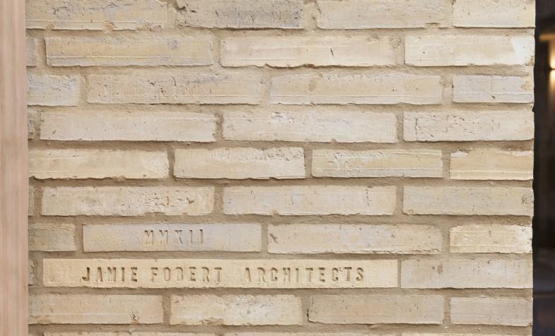 Levring-House-Jamie-Fobert-Architects-RIBA-Award-Manser-Medal-residential-London-house-Doughty-Mews-bricks
