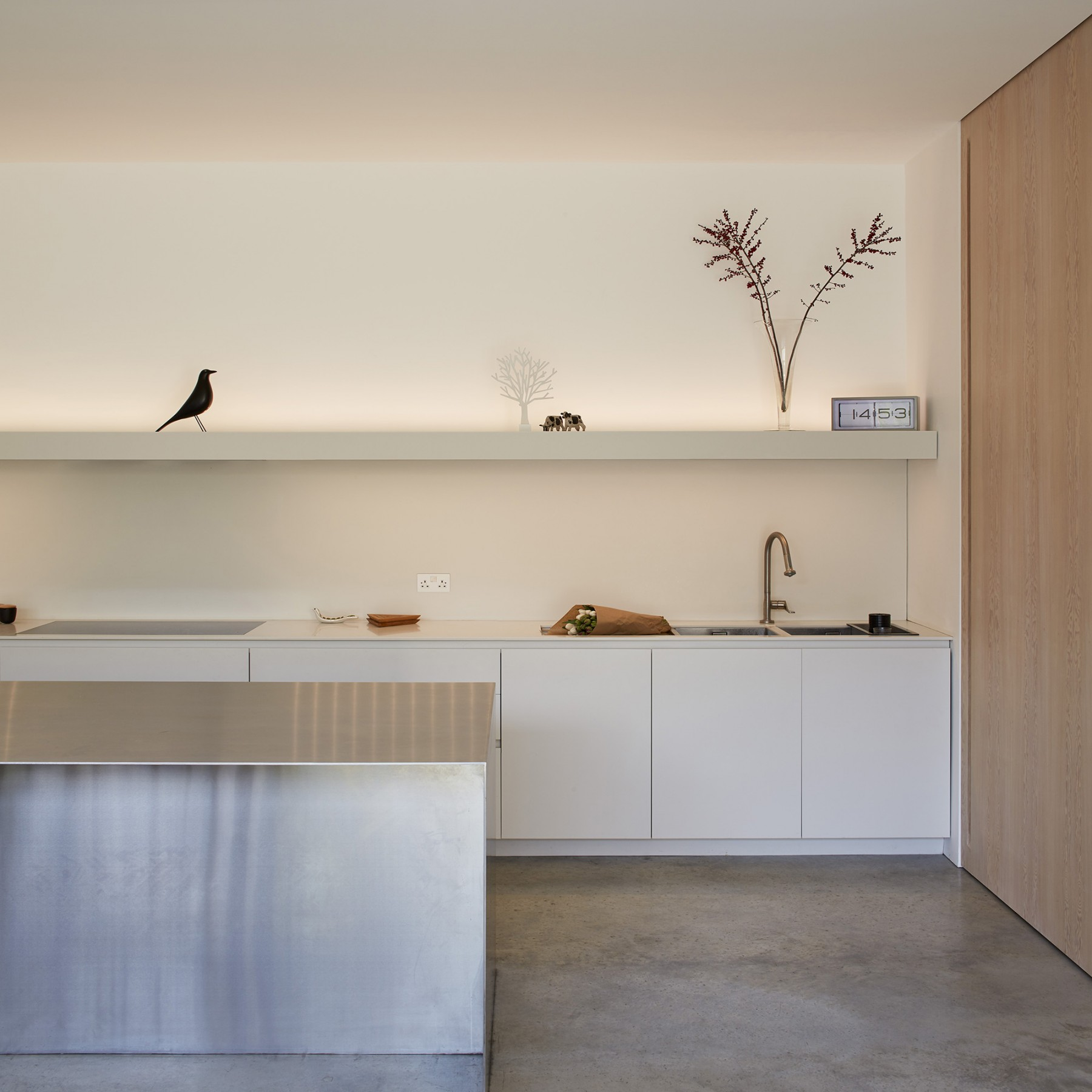 Luker-House-contemporary-modern-London-house-Barnes-Jamie-Fobert-Architects-RIBA-Award-Kitchen-Concrete (2)1