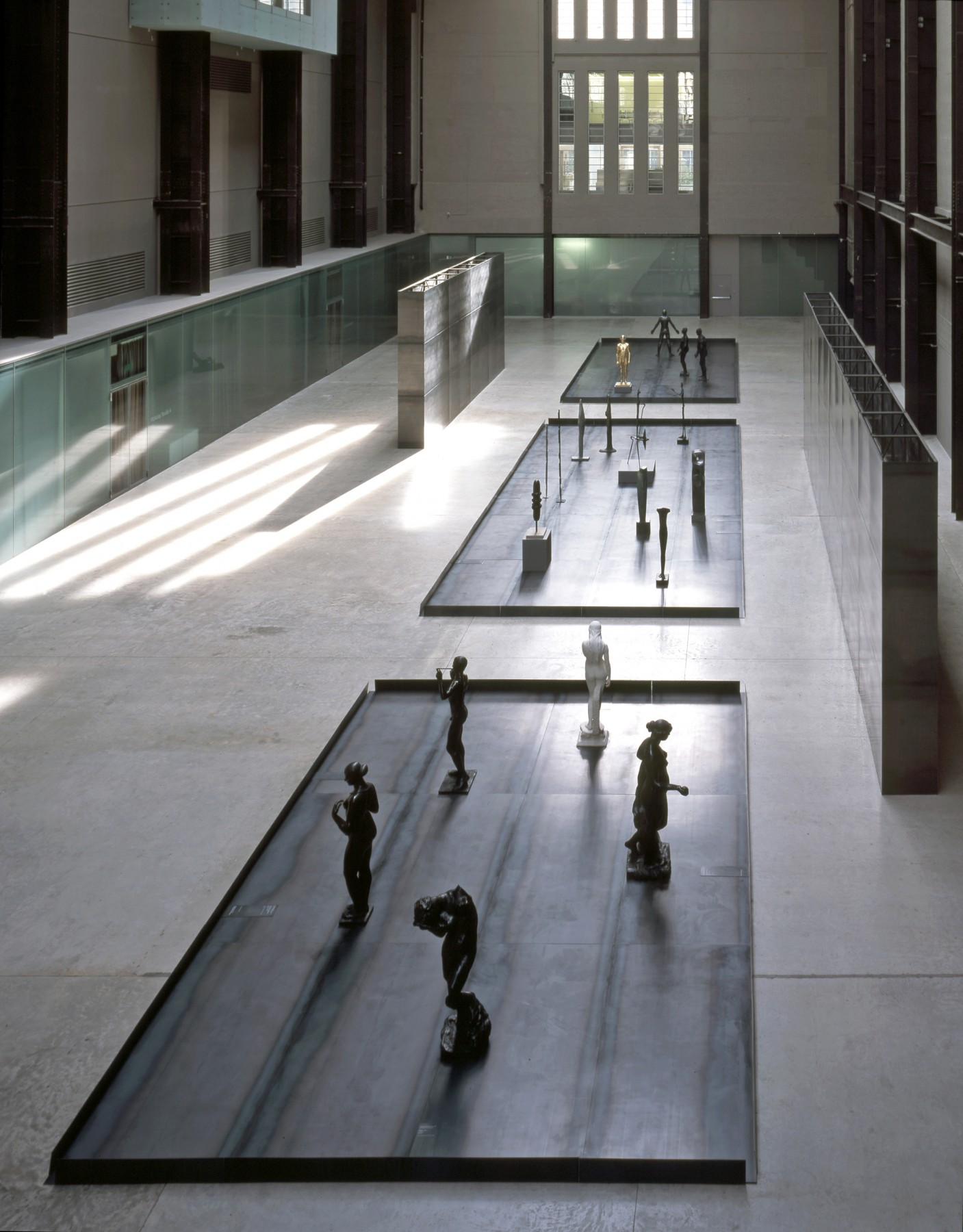 Upright-Figure-Tate-Britain-London-design-exhibition-Jamie-Fobert-Architects-Turbine-Hall-2