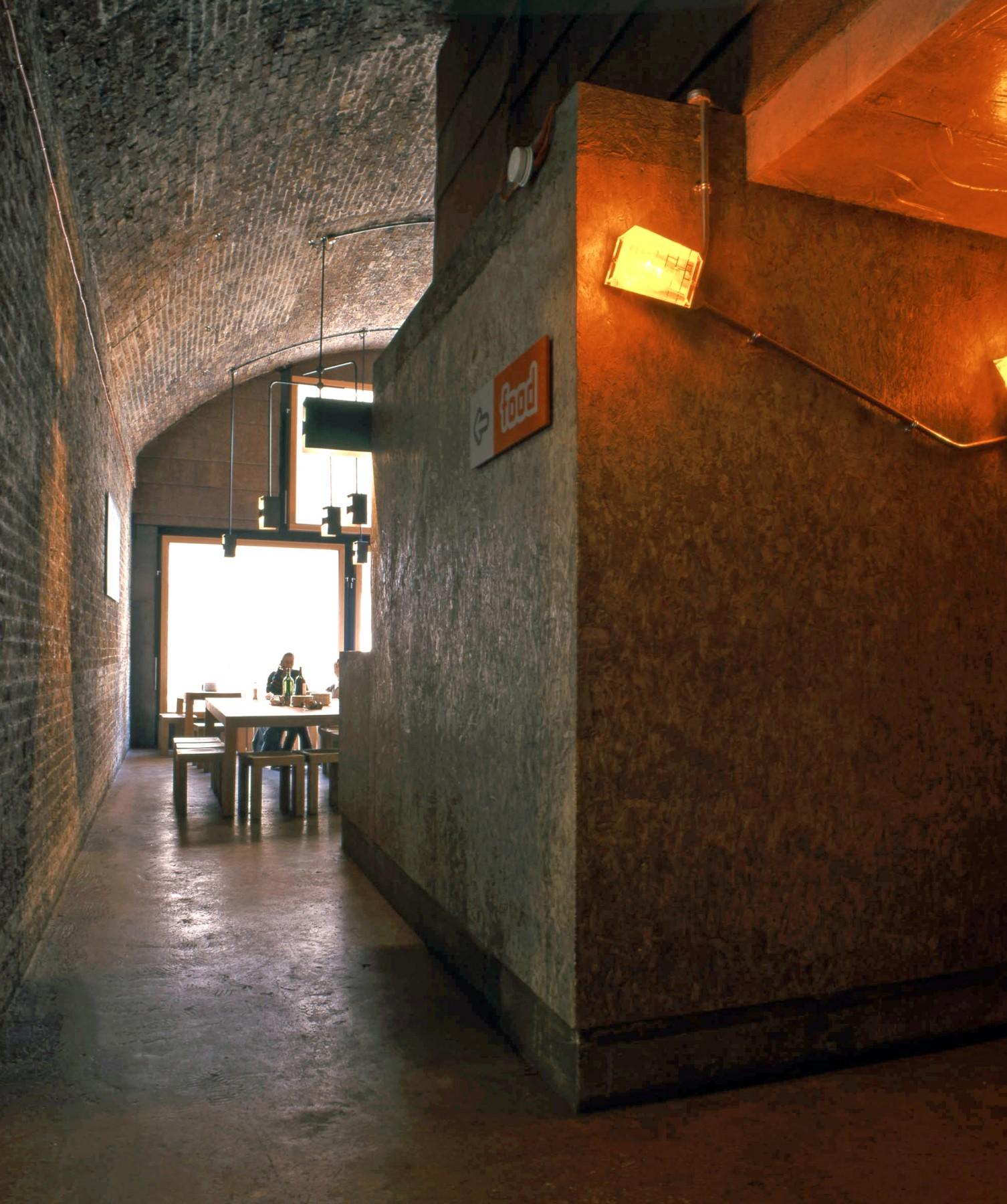 Cargo-East-London-Shoreditch-cultural-scene-bar-restaurant-urban-disused-railway-yard-entertainment-venue-events-Jamie-Fobert-Architects-2