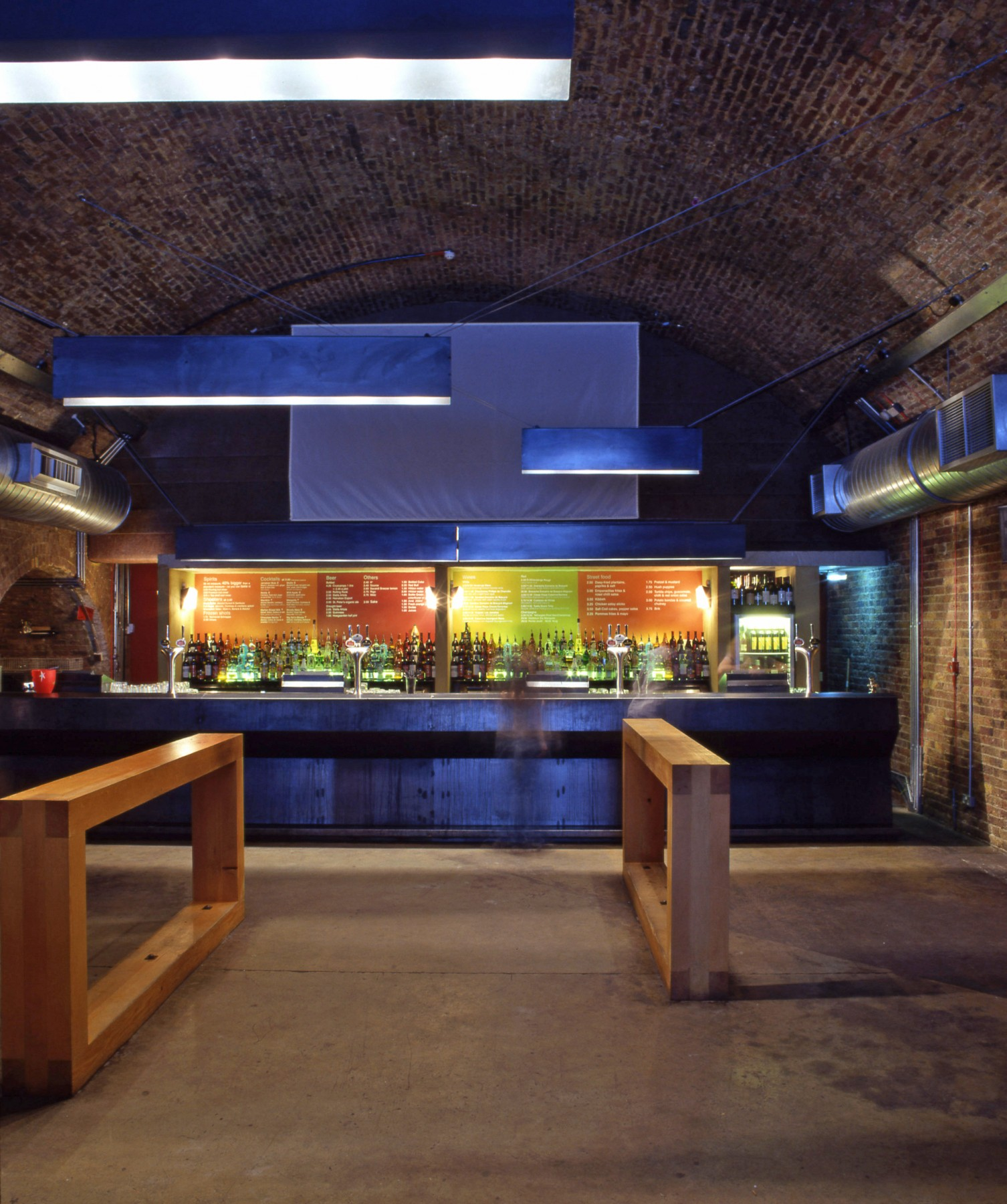 Cargo-East-London-Shoreditch-cultural-scene-bar-restaurant-urban-disused-railway-yard-entertainment-venue-events-Jamie-Fobert-Architects-4