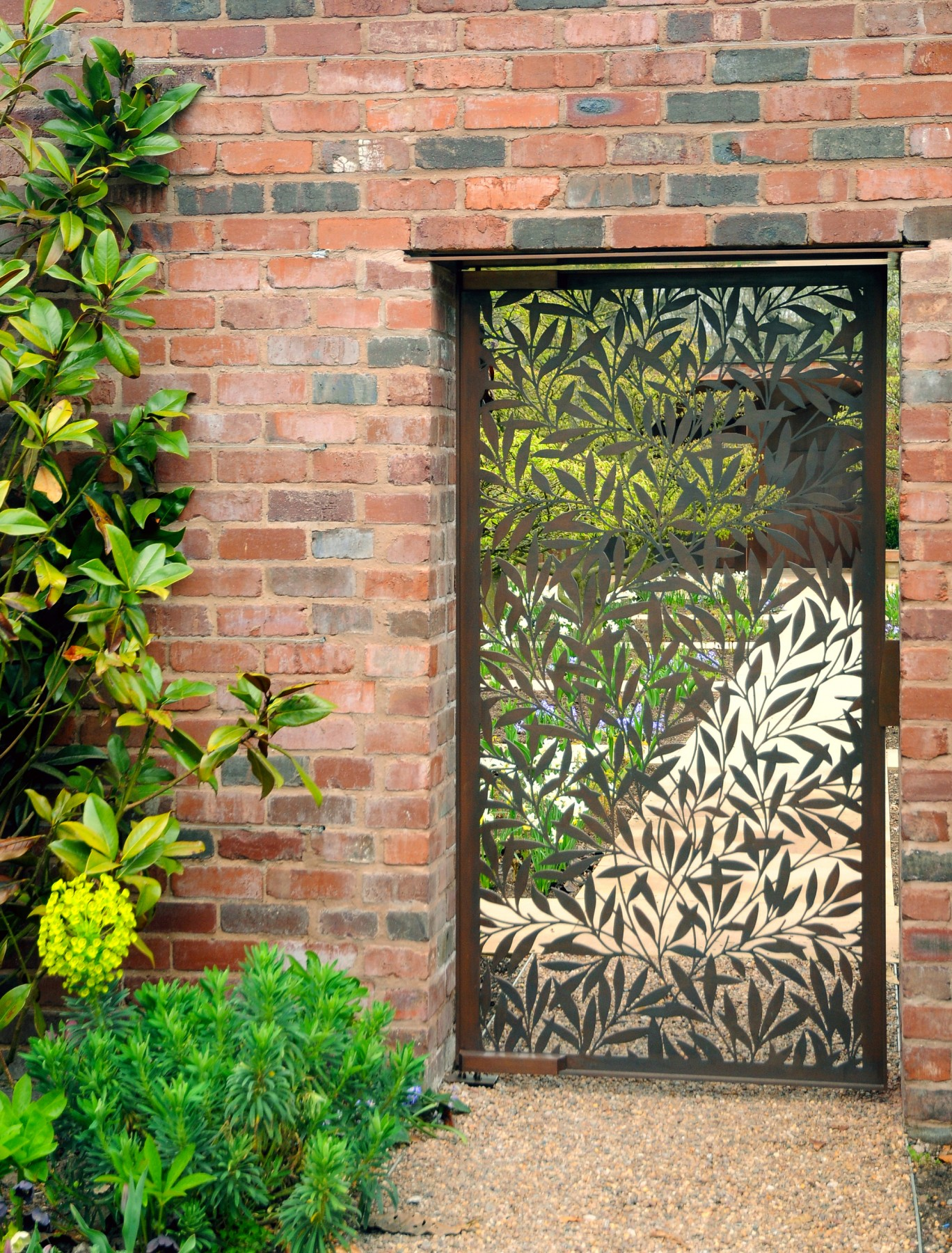 Garden-Grange-Pavilion-landscape-cheshire-cogshall-bronze-copper-room-gate-Tom-Stuart-smith-Jamie-Fobert-Architects-8