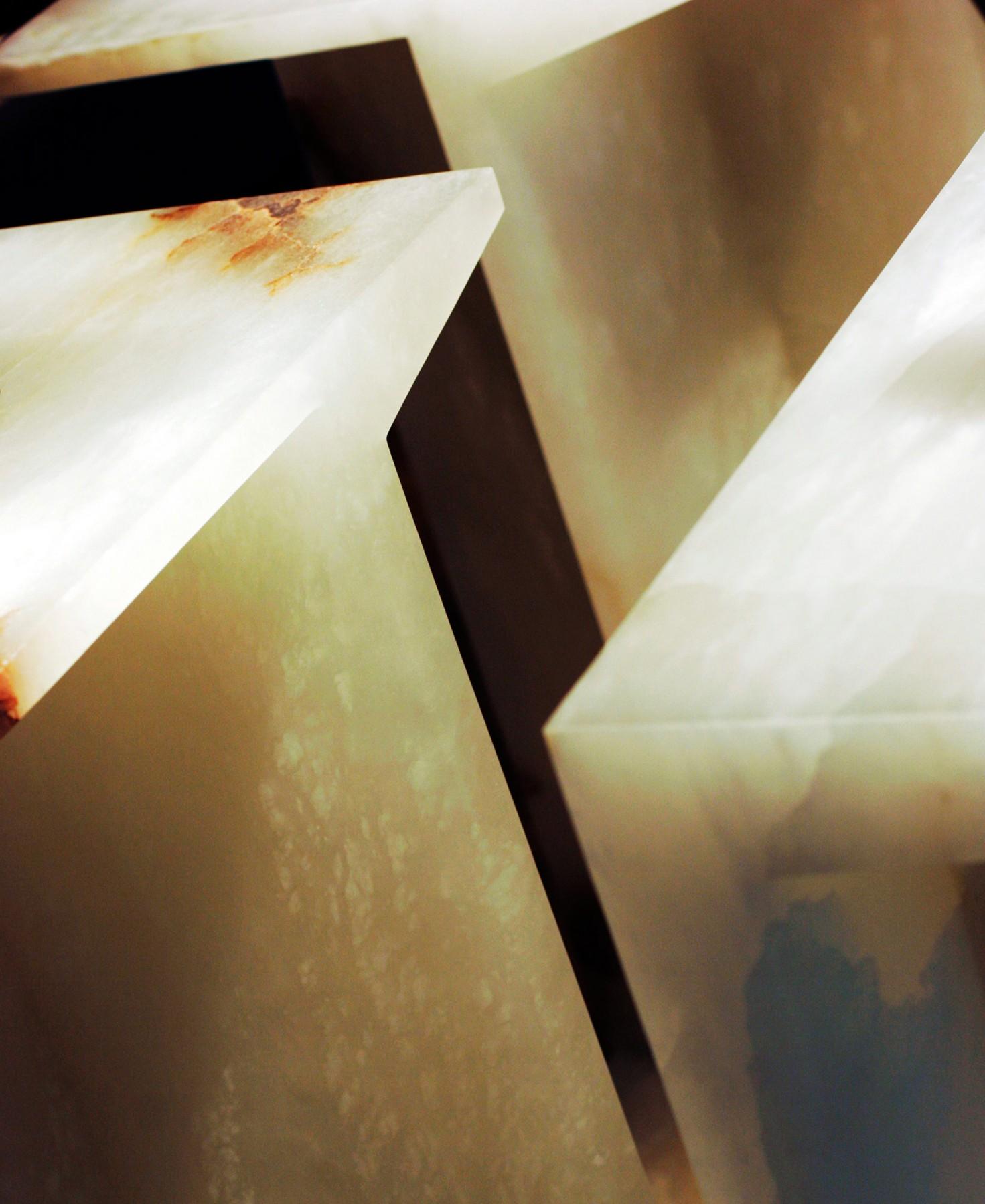 Selfridges-London-designer-fashion-retail-Jamie-Fobert-Architects-shoe-galleries-alabaster-plinths-6