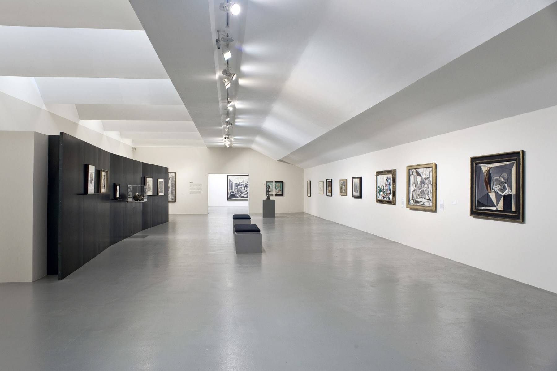 Picasso-Peace-and-Freedom-Tate-Liverpool-design-steel-exhibition-art-Jamie-Fobert-Architects-4