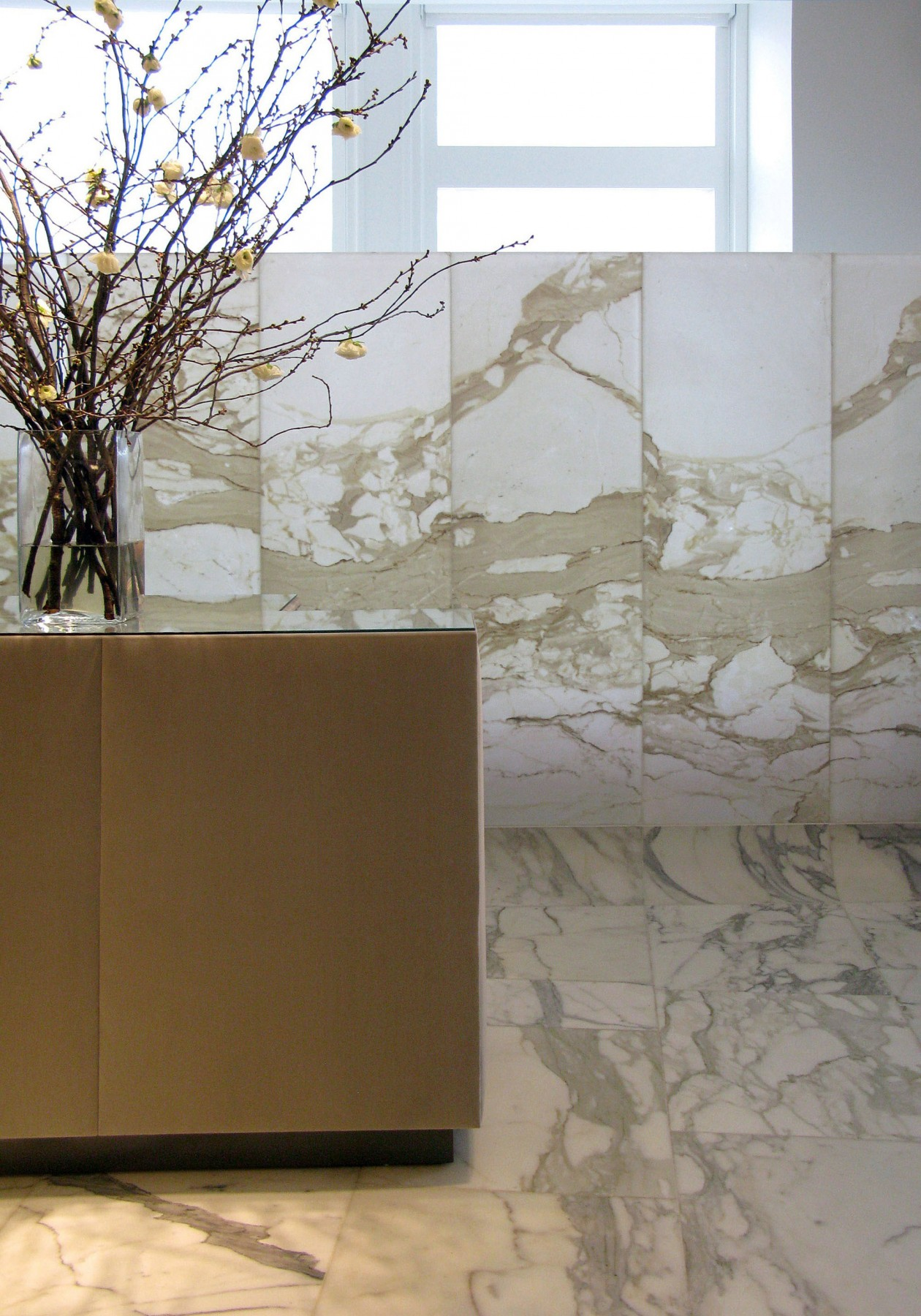 Selfridges-London-designer-fashion-retail-Jamie-Fobert-Architects-shop-marble-floor-womenswear-5--