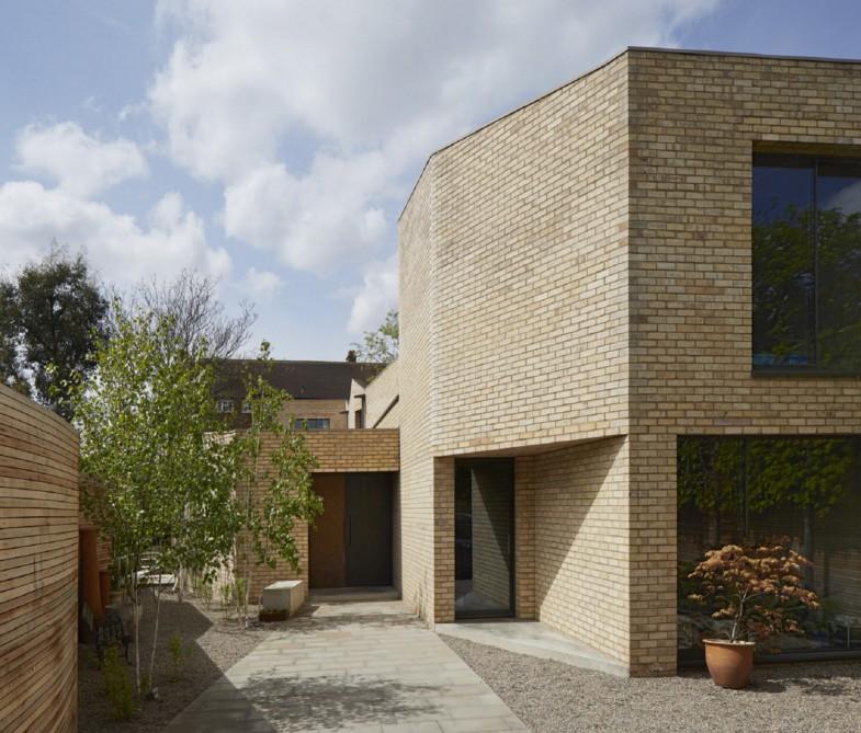 Luker-House-contemporary-modern-London-house-Barnes-Jamie-Fobert-Architects-RIBA-Award-Kitchen-Brick-External