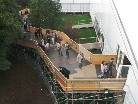 Jamie-Fobert-Architects Frieze-Art-Fair-scaffold-ramp-entrance-temporary structure-regents-park -thumbnail