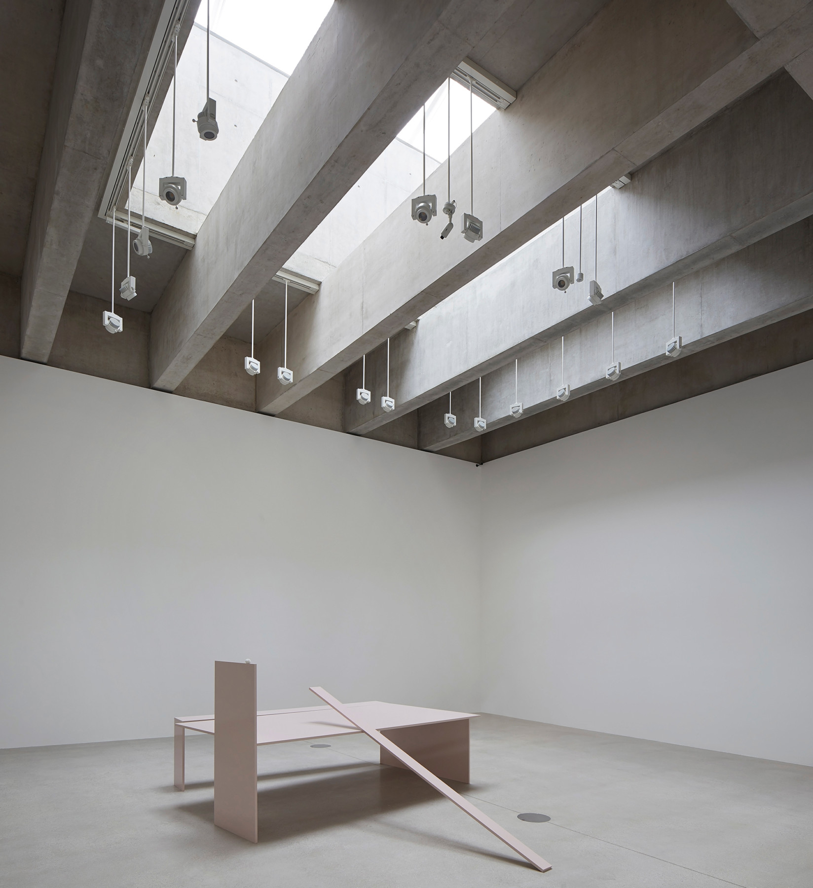 Jamie-fobert-architects-tate-st-ives-hufton-and-crow-concrete-gallery-rebecca-warren