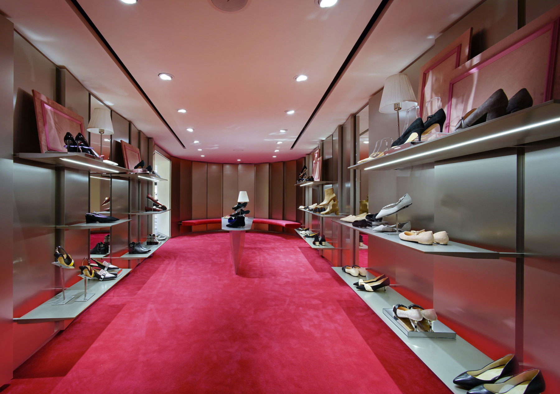 IT-HysanOne-HongKong-fashion-retail-luxury-department-store-shopping-design-concept-Jamie-Fobert-Architects-Aspirational-Poche-EDIT