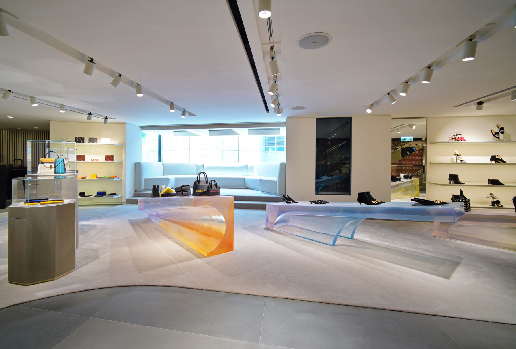 IT-HysanOne-HongKong-fashion-retail-luxury-department-store-shopping-design-concept-Jamie-Fobert-Architects-Gallery-1