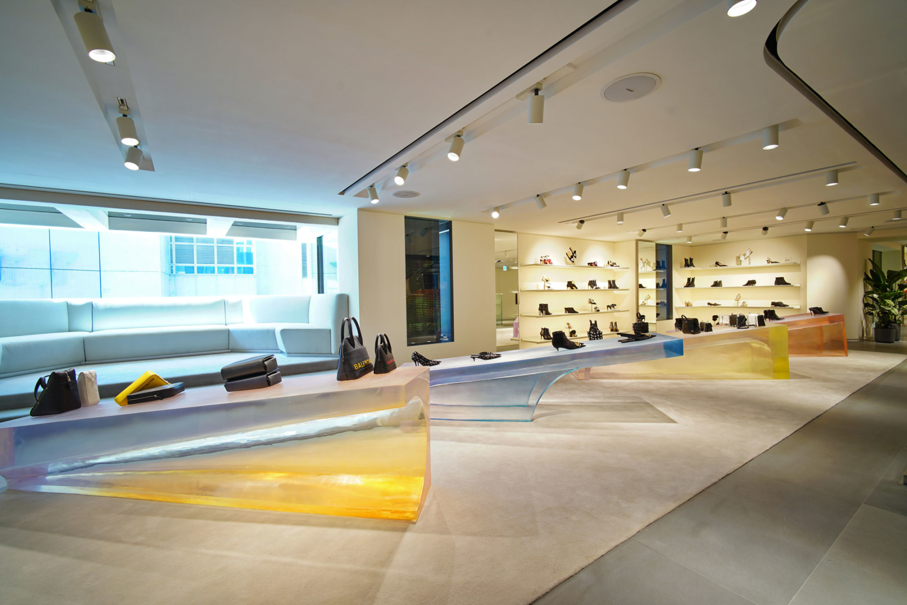IT-HysanOne-HongKong-fashion-retail-luxury-department-store-shopping-design-concept-Jamie-Fobert-Architects-Gallery-1c