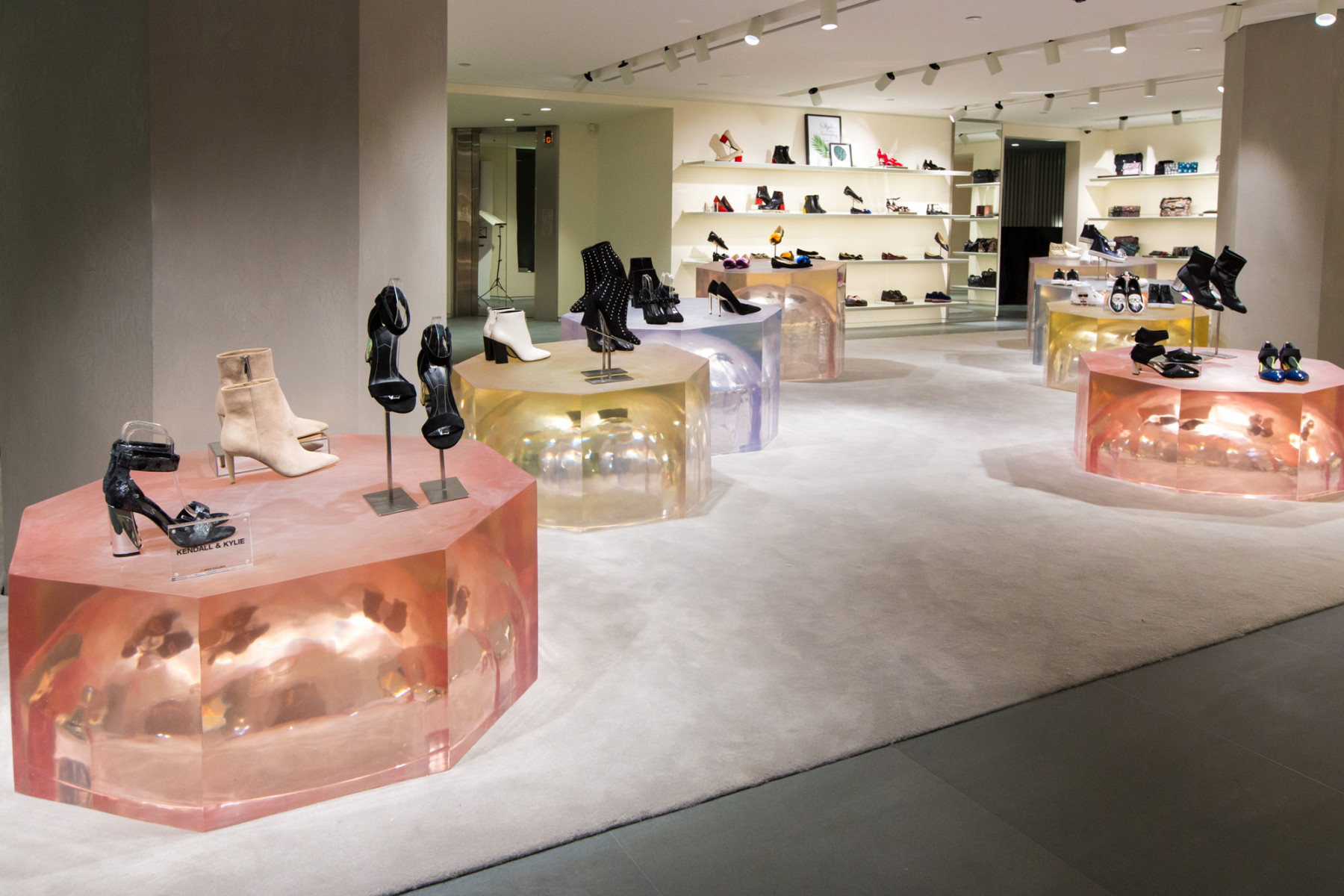 IT-HysanOne-HongKong-fashion-retail-luxury-department-store-shopping-design-concept-Jamie-Fobert-Architects-Gallery-2