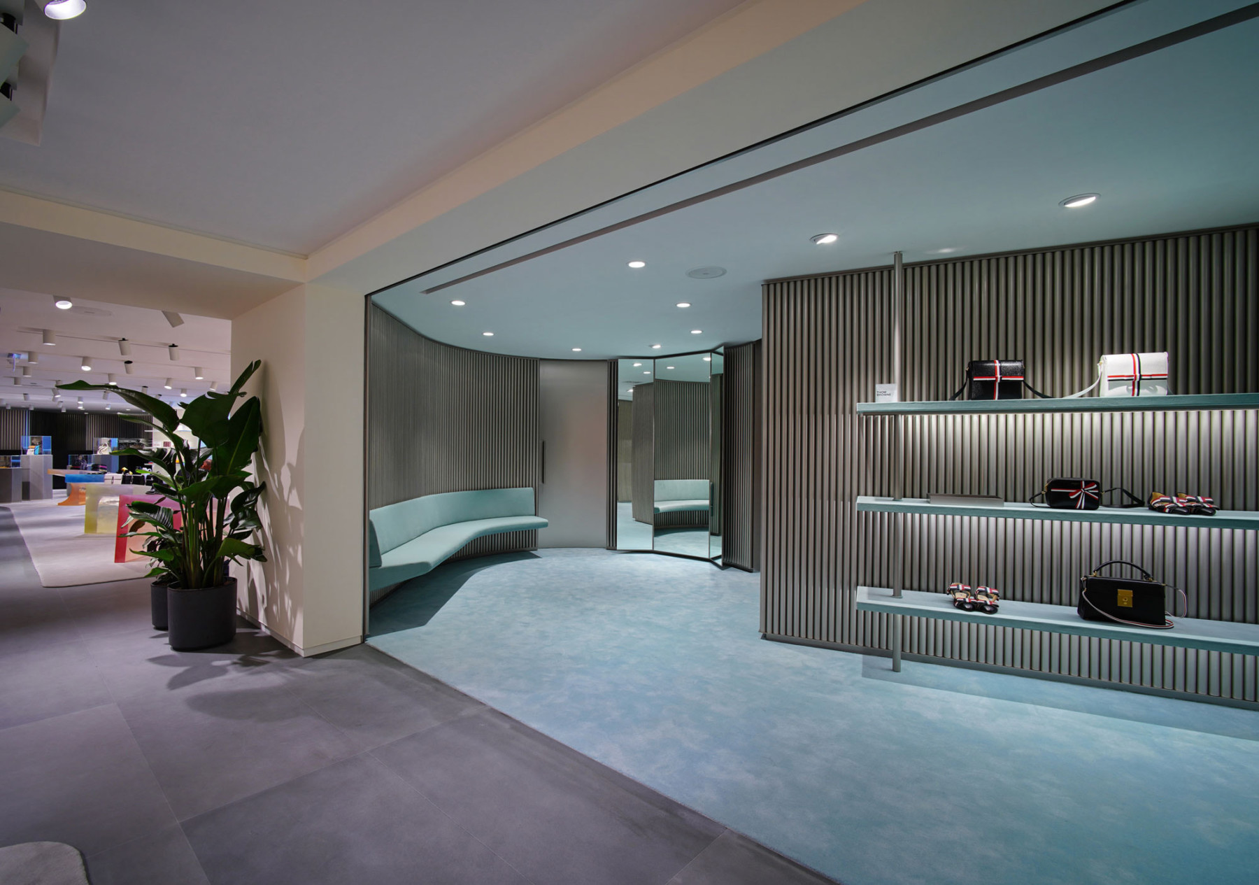 IT-HysanOne-HongKong-fashion-retail-luxury-department-store-shopping-design-concept-Jamie-Fobert-Architects-Luxury-Poche2