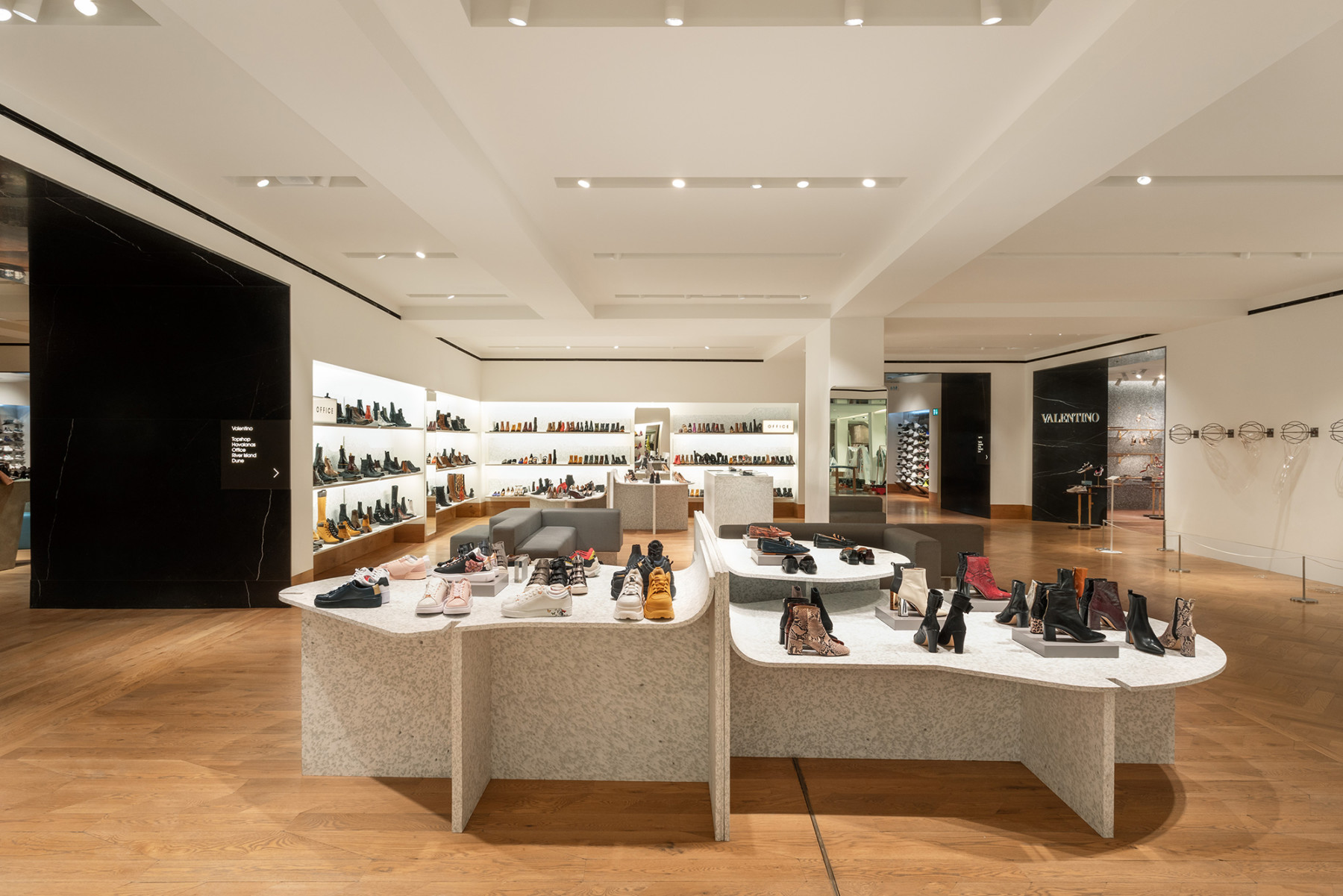 jamie-fobert-architects-selfridges-shoe-galleries-luxury-retail-concept-gallery-2-recycled-plastic