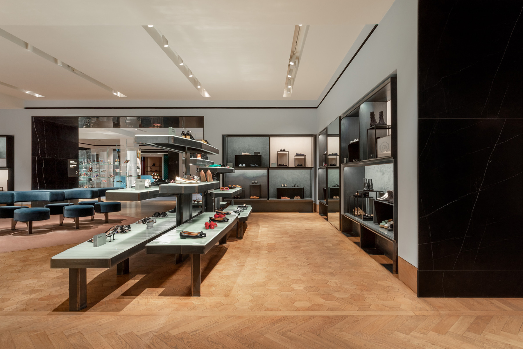 jamie-fobert-architects-selfridges-shoe-galleries-luxury-retail-concept-gallery-design-olivier-hess-photos-(6)
