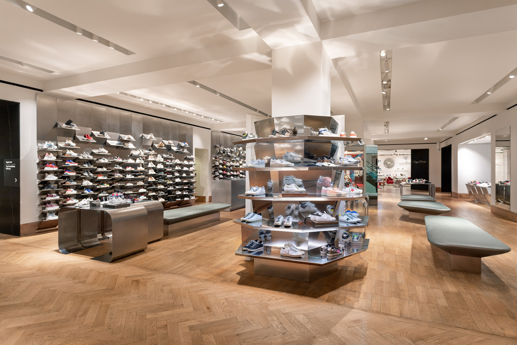 jamie-fobert-architects-selfridges-shoe-galleries-luxury-retail-concept-gallery-design-olivier-hess-photos-sneaker-wall