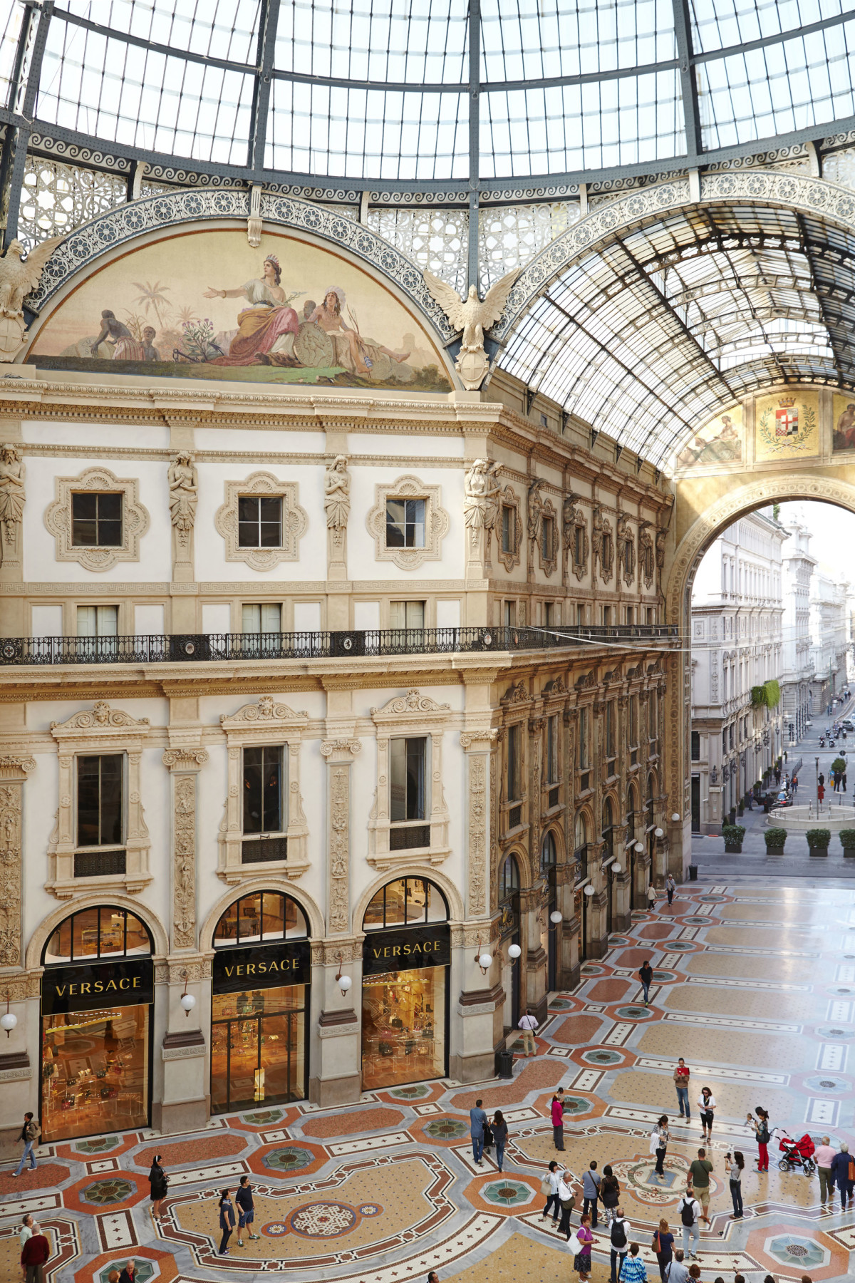 Jamie-Fobert-Architects Versace-Galleria-Vittorio-Emanuele-II-Milan-luxury-retail-heritage-arcade