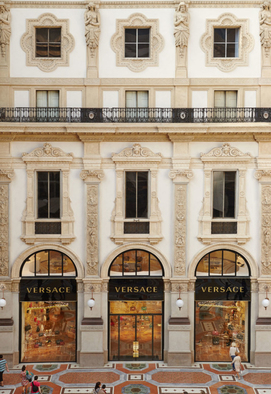 Jamie-Fobert-Architects Versace-Galleria-Vittorio-Emanuele-II-Milan-luxury-retail-heritage-facade